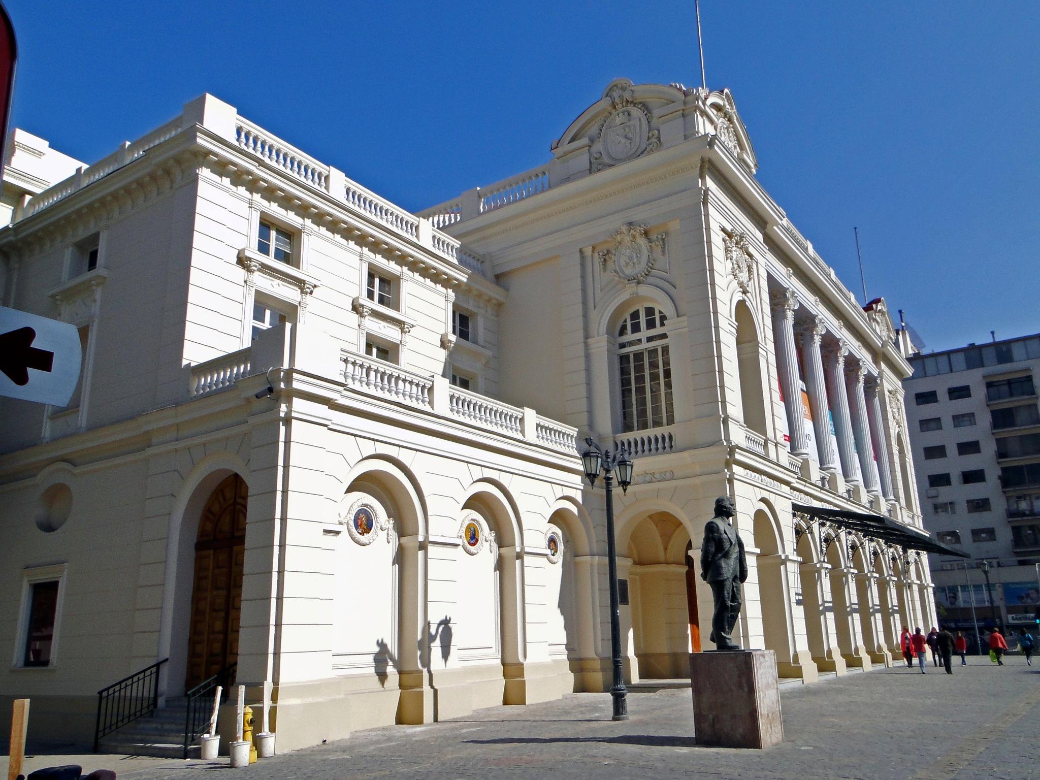 (0970) Teatro Municipal de Santiago, Chile by Patricio Cabezas