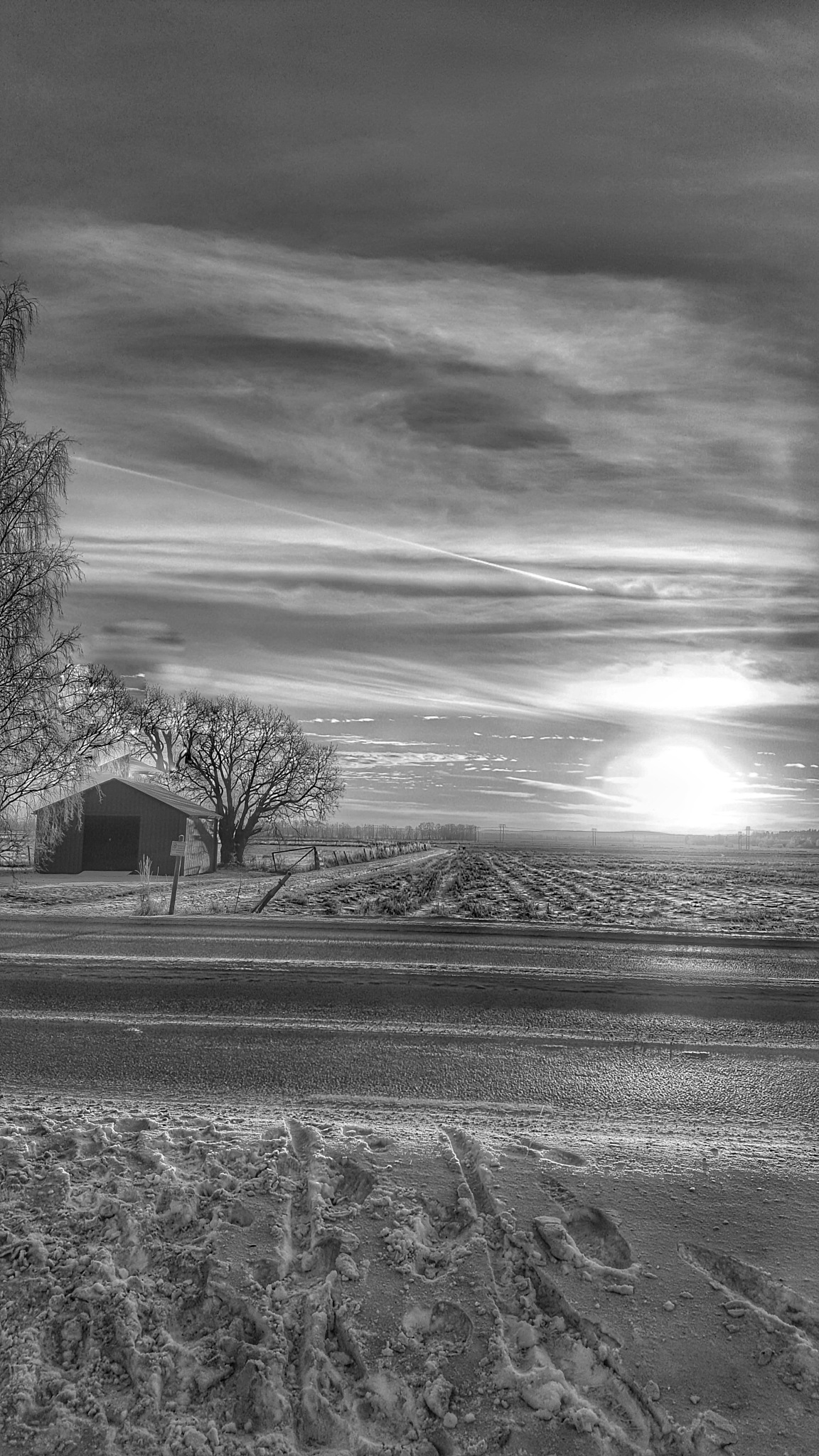 countryside in bw  by Pelle Westberg