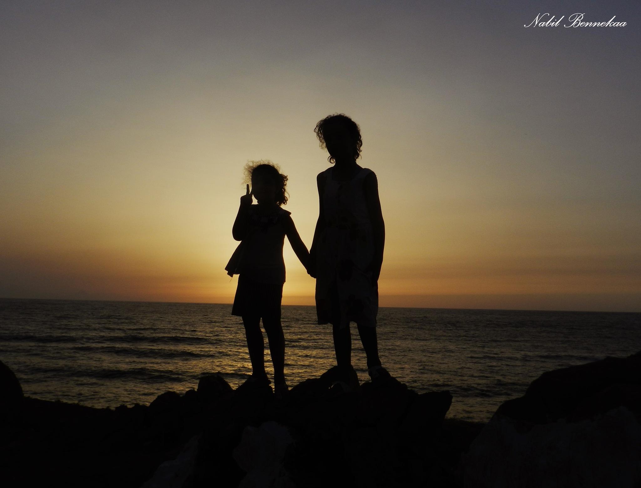 الاختين مع الغروب الساحر by Nabil Nabil