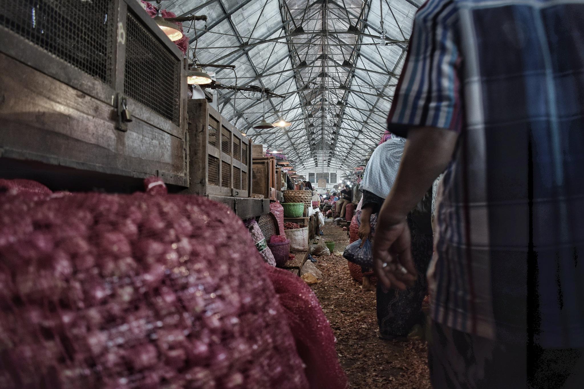 Traditional Market by Imam Ma'ruf