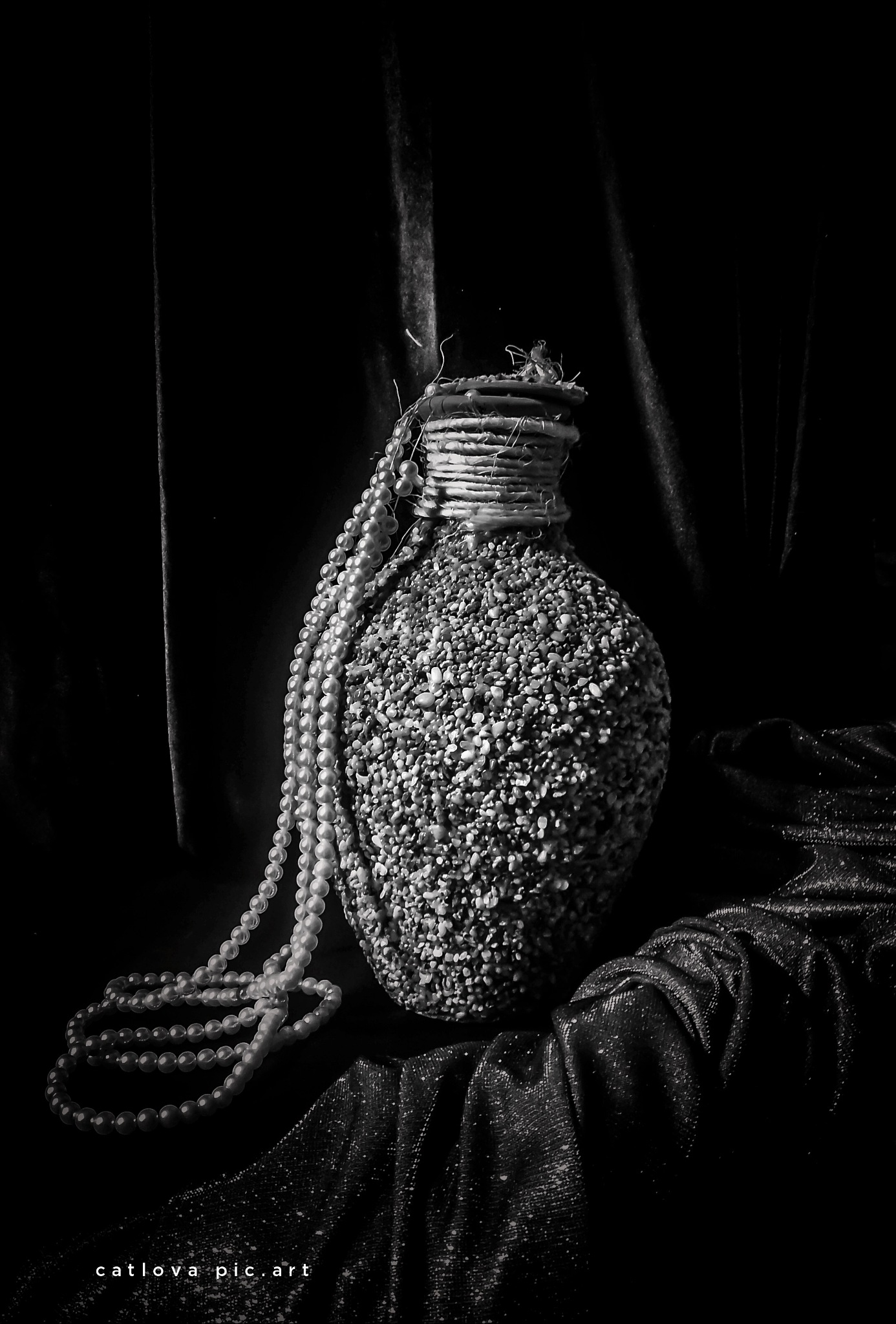 moody still life by nouacer photography