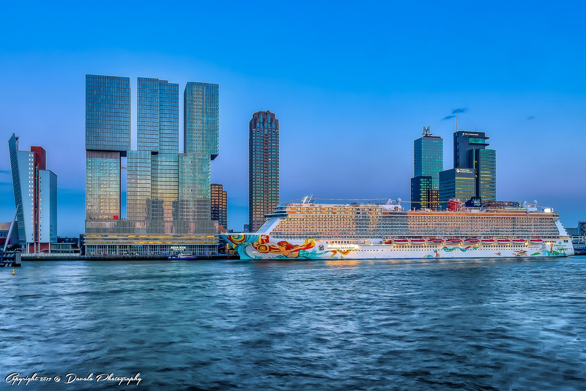 Rotterdam City by Davalo Photography