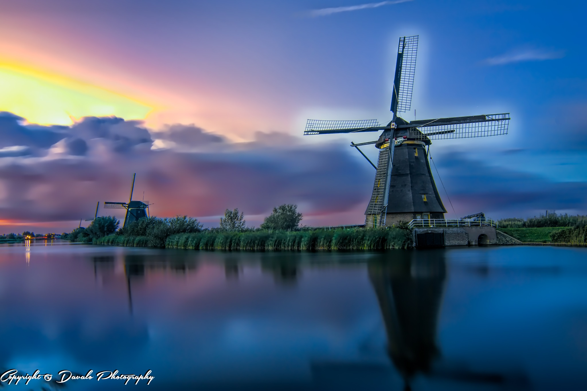 Windmills @ Kinderdijk by Davalo Photography