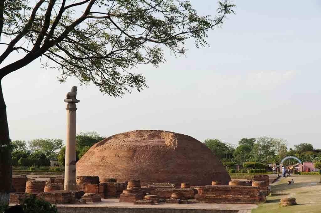 Bảo tháp Kolhua và trụ đá vua Ashoka ( Vaishali Ấn Độ ) nơi Đức Phật giảng bài pháp cuối cùng, by quan0709