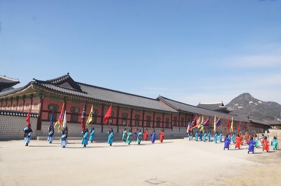 Tái hiện việc đổi gác thời xưa ở Gyeongbokgung Cảnh Phúc Cung  Seoul by quan0709