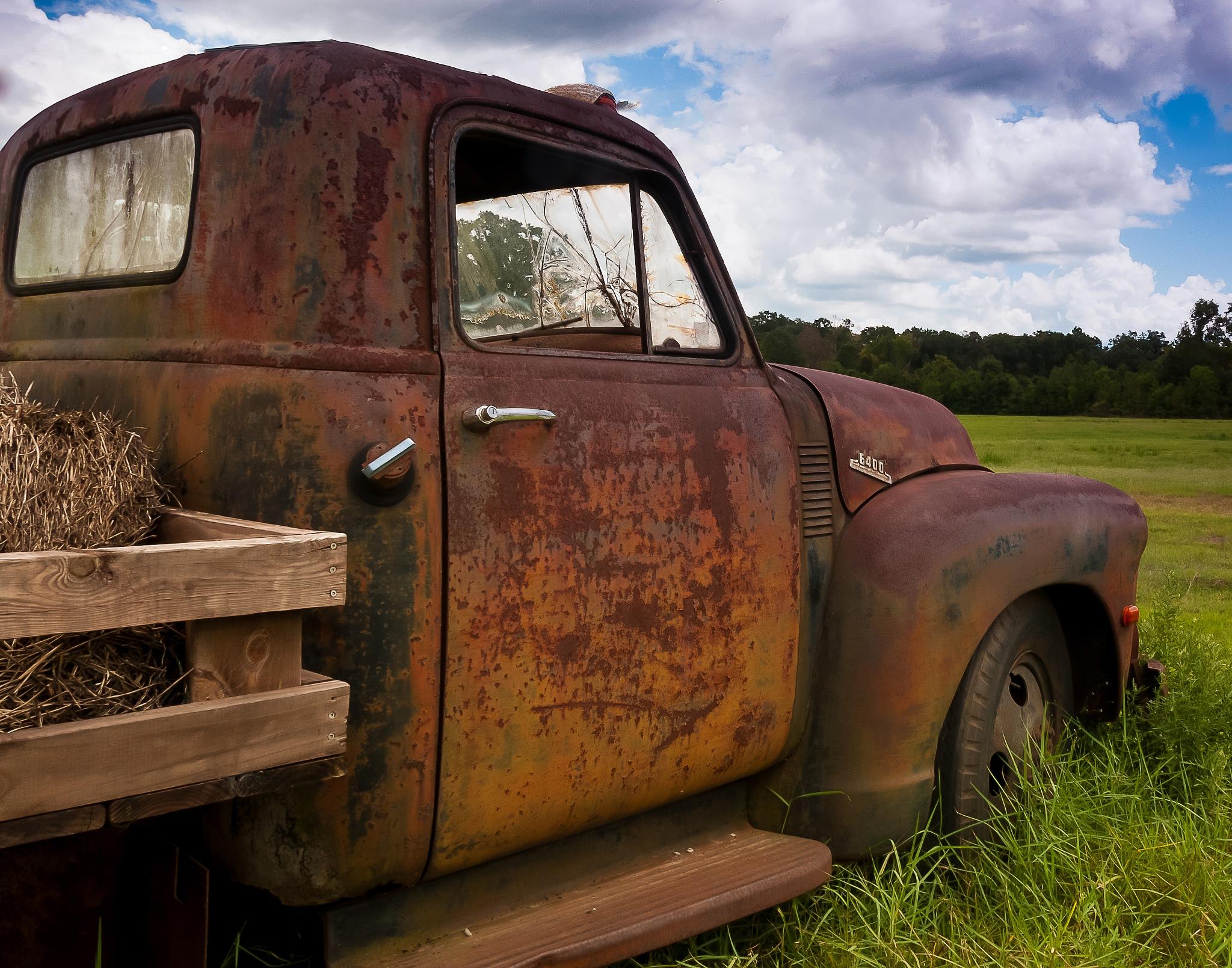 Old Truck by billtindall