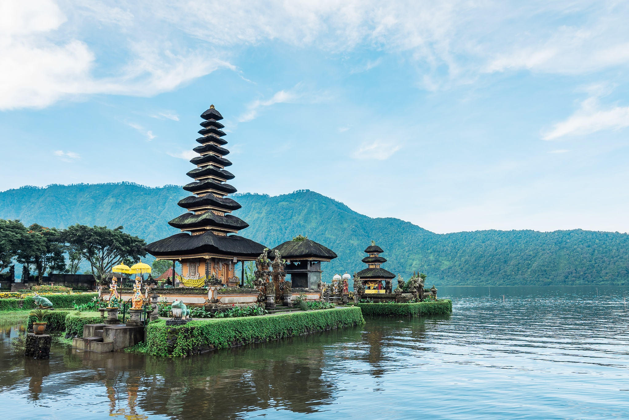 Ulun Danu Temple - Bali - Indonesia by RandyTan Travelogue
