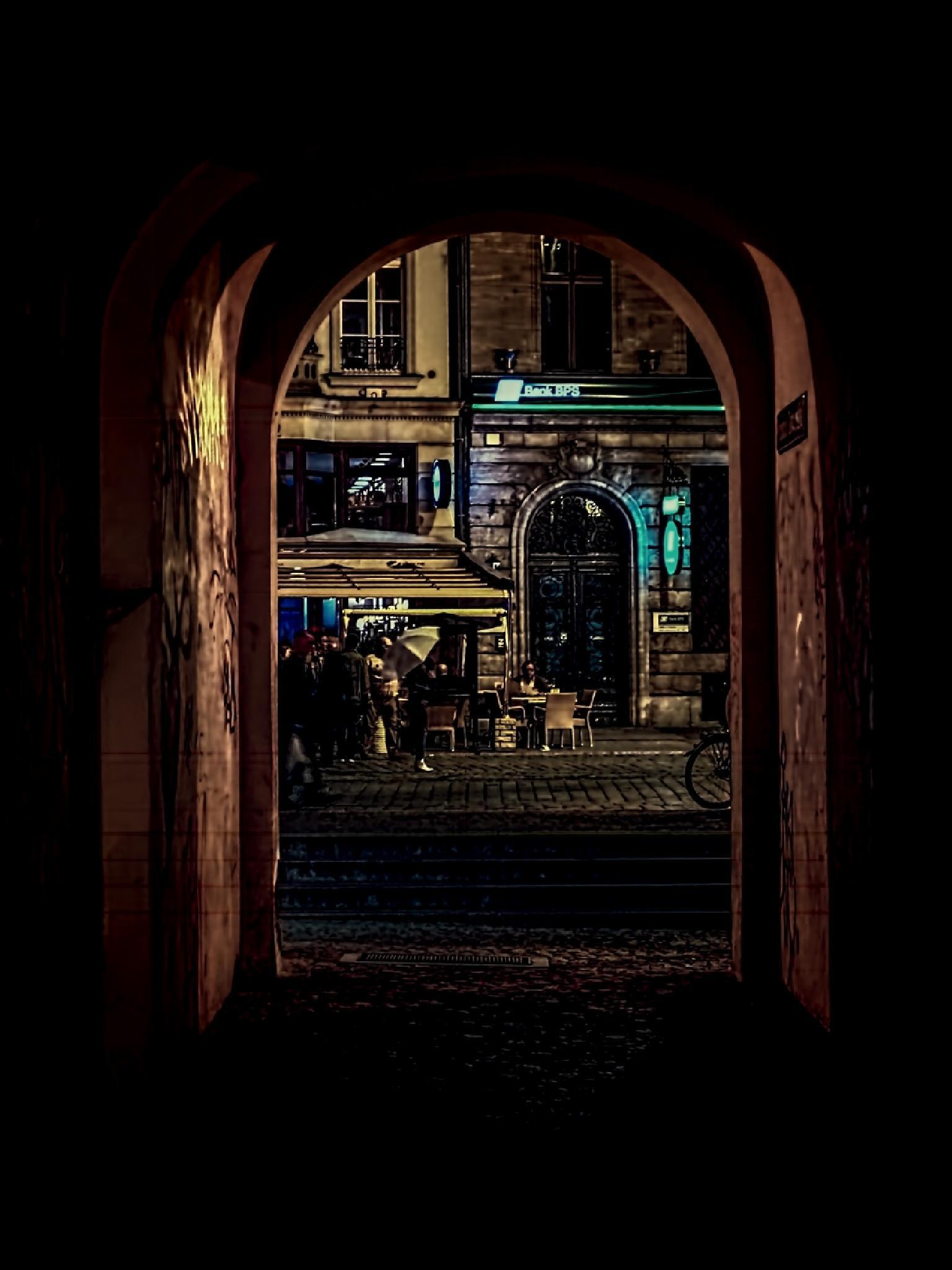 Nightlife by Waldemar Sadlowski