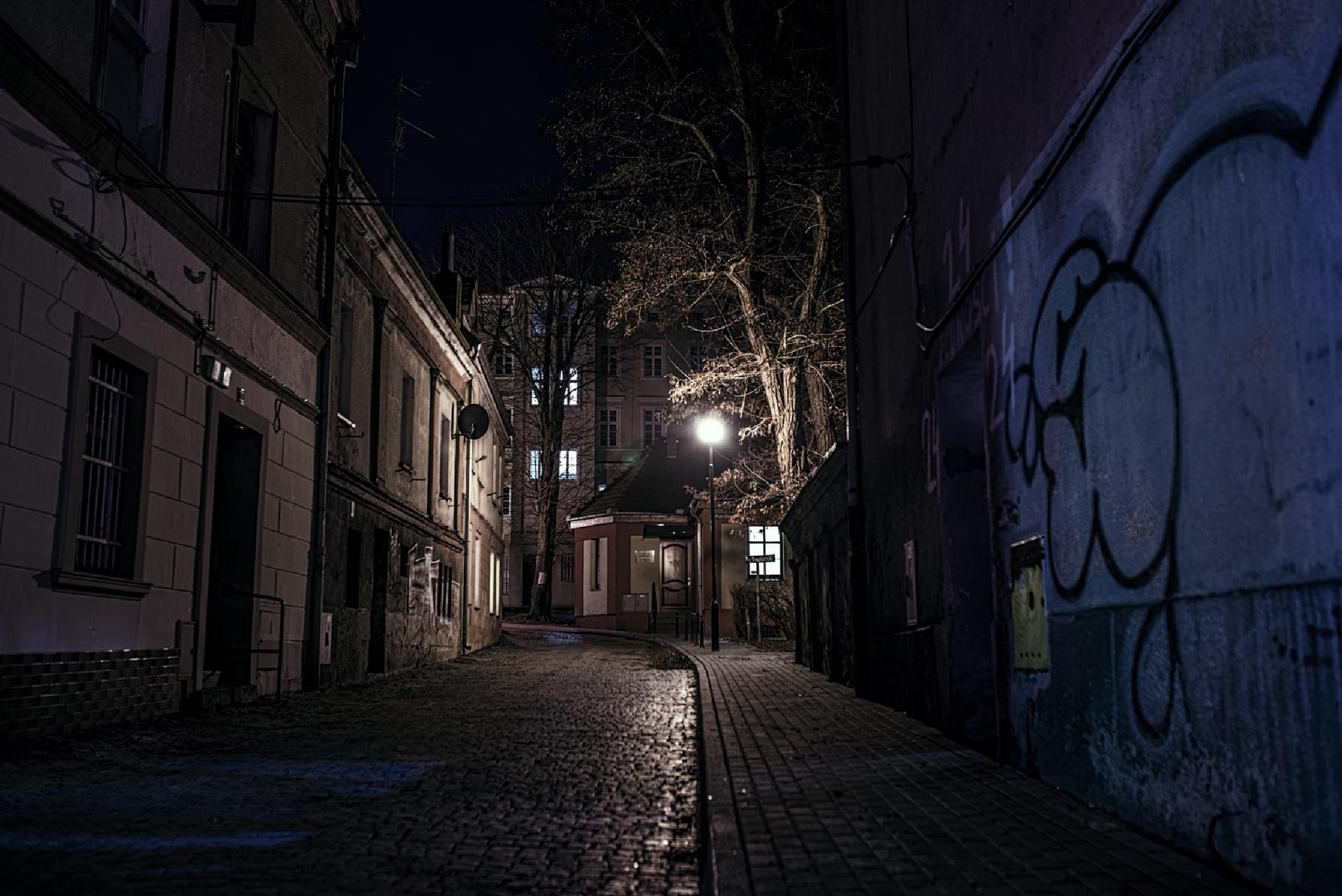 Curve Street  by Waldemar Sadlowski