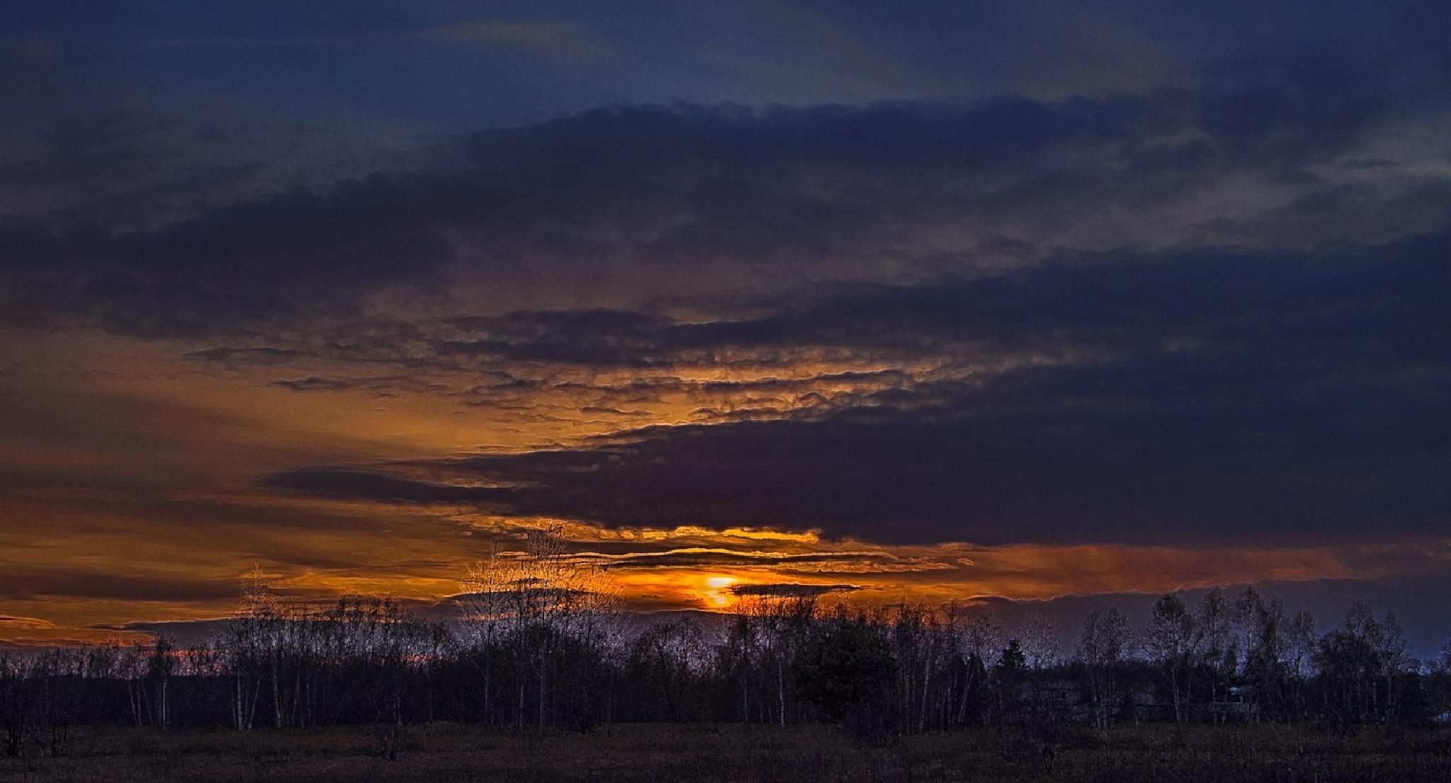 Another sunset  by Waldemar Sadlowski