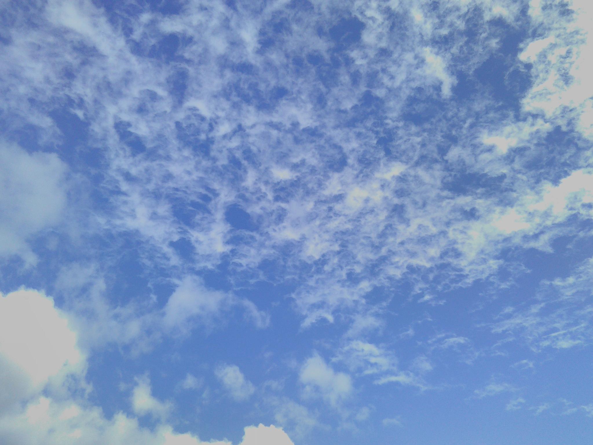 morcellement nuageux by Rachid De B.