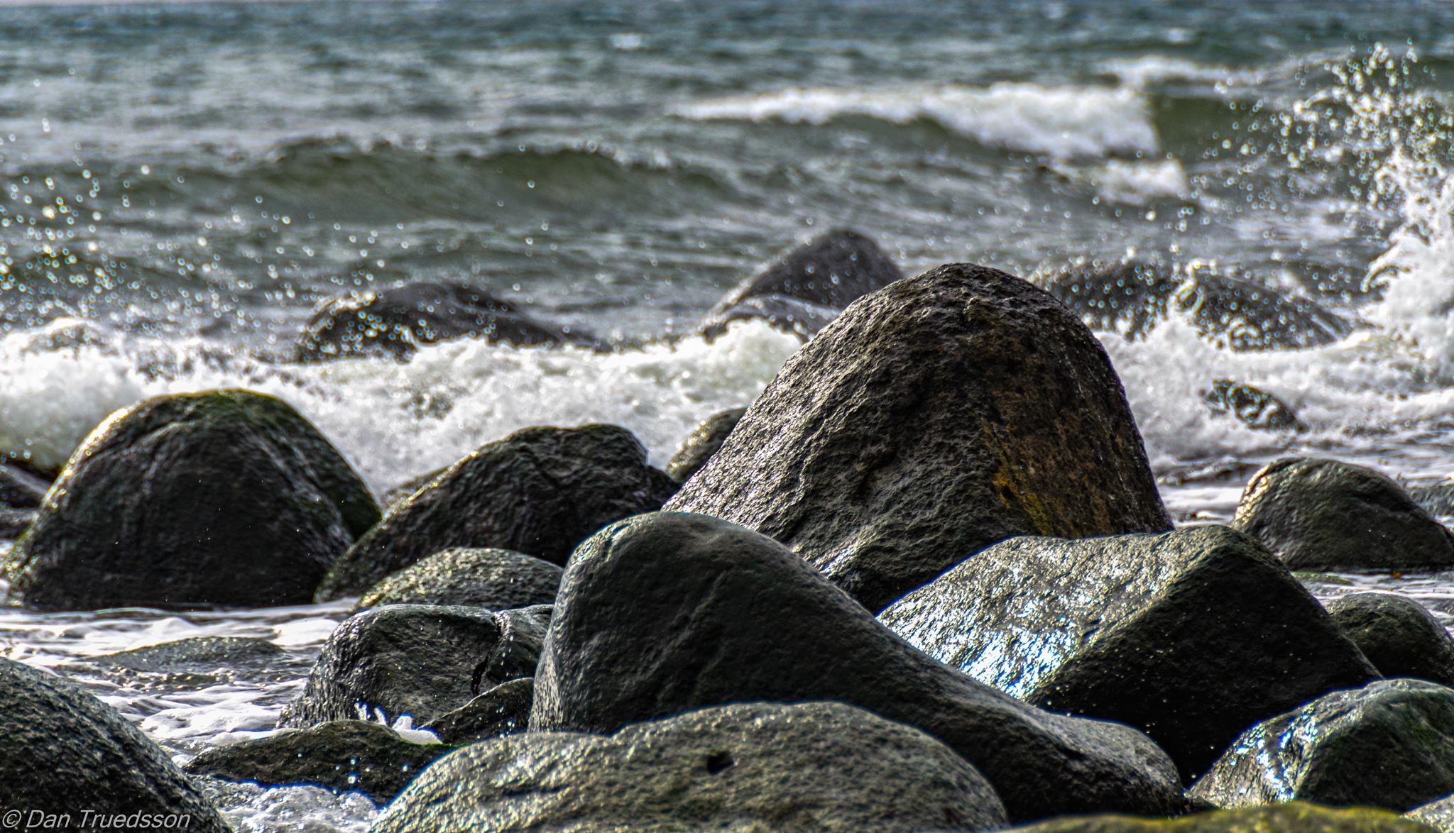 Wet stones by Dan Truedsson