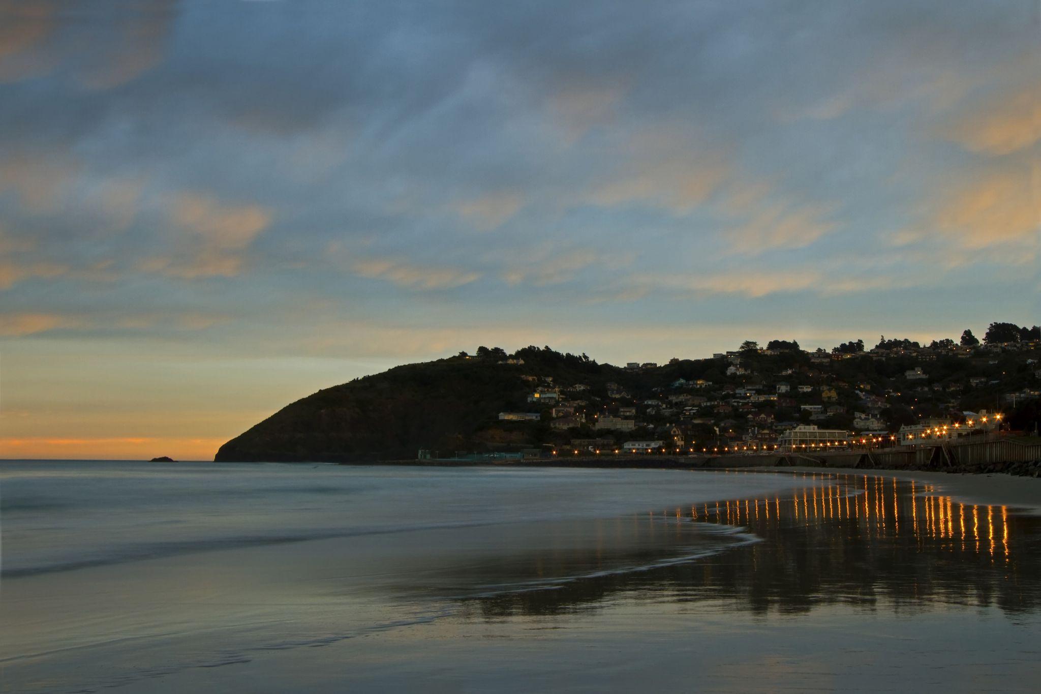 St Clair Beach and the Esplanade, Dunedin by Lloyd Palmer Photography (LPics)