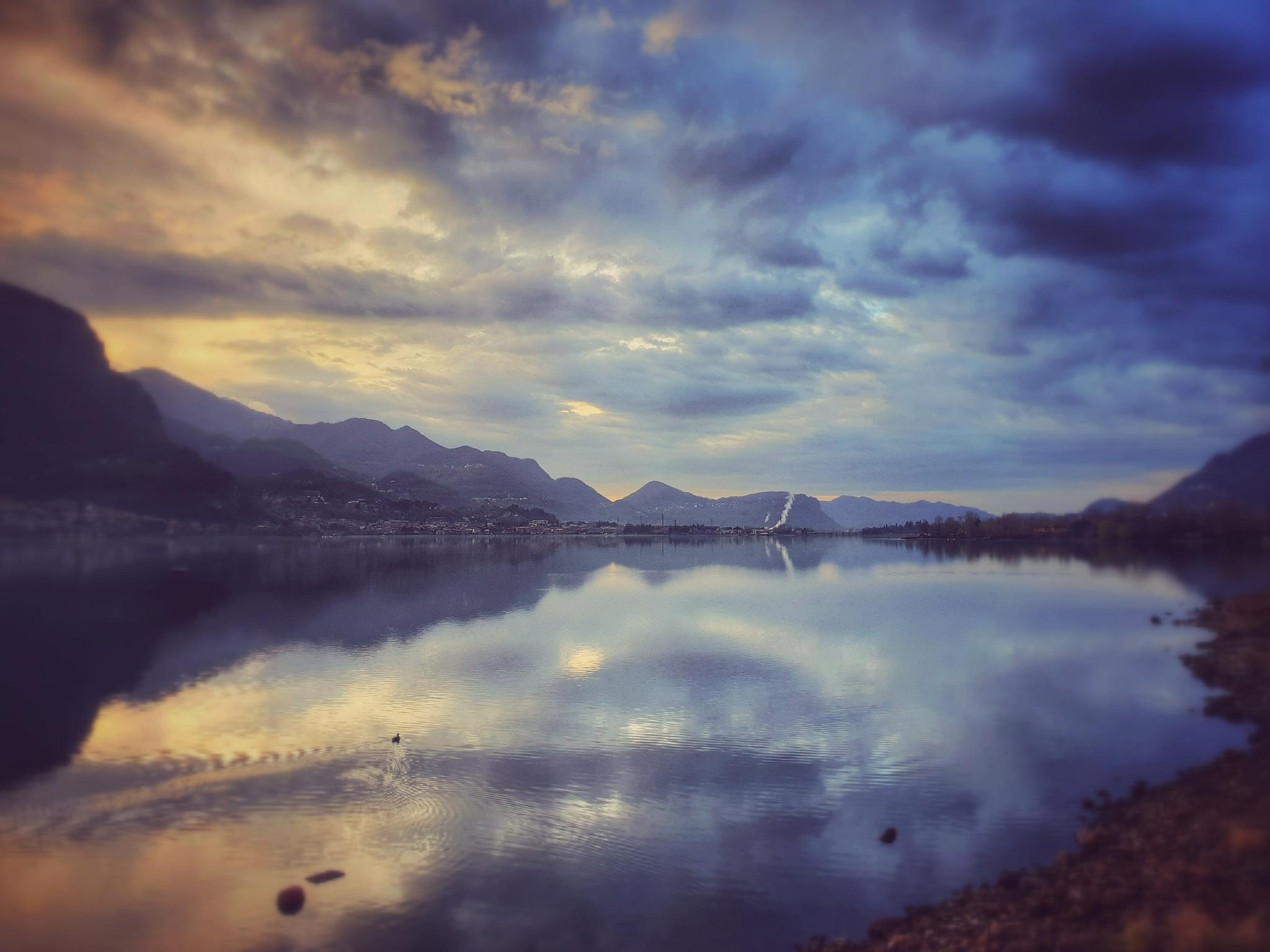 lake Sunrise by Luca Riva
