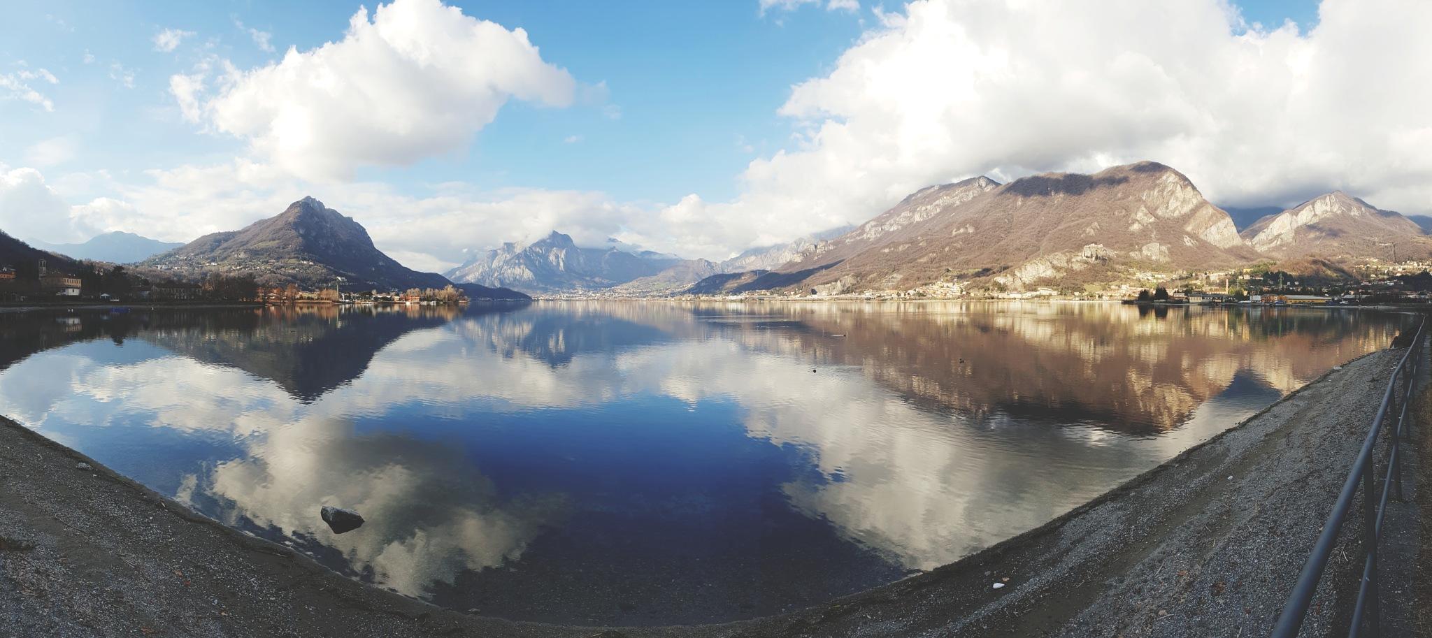 lake by Luca Riva