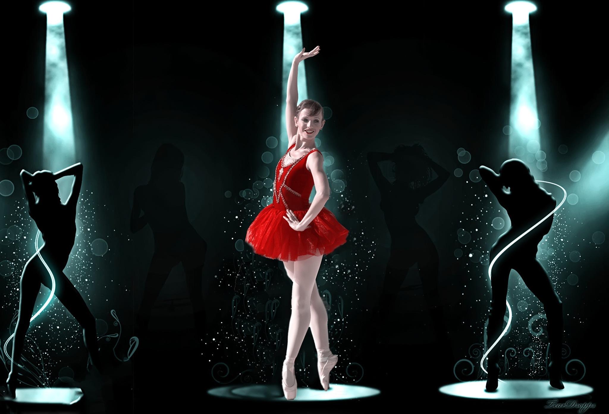 Keren on stage by Rebecca Danieli