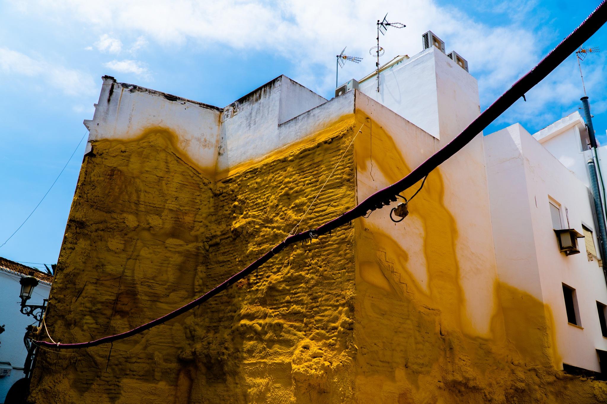 Yellow Walls by Lukeghost