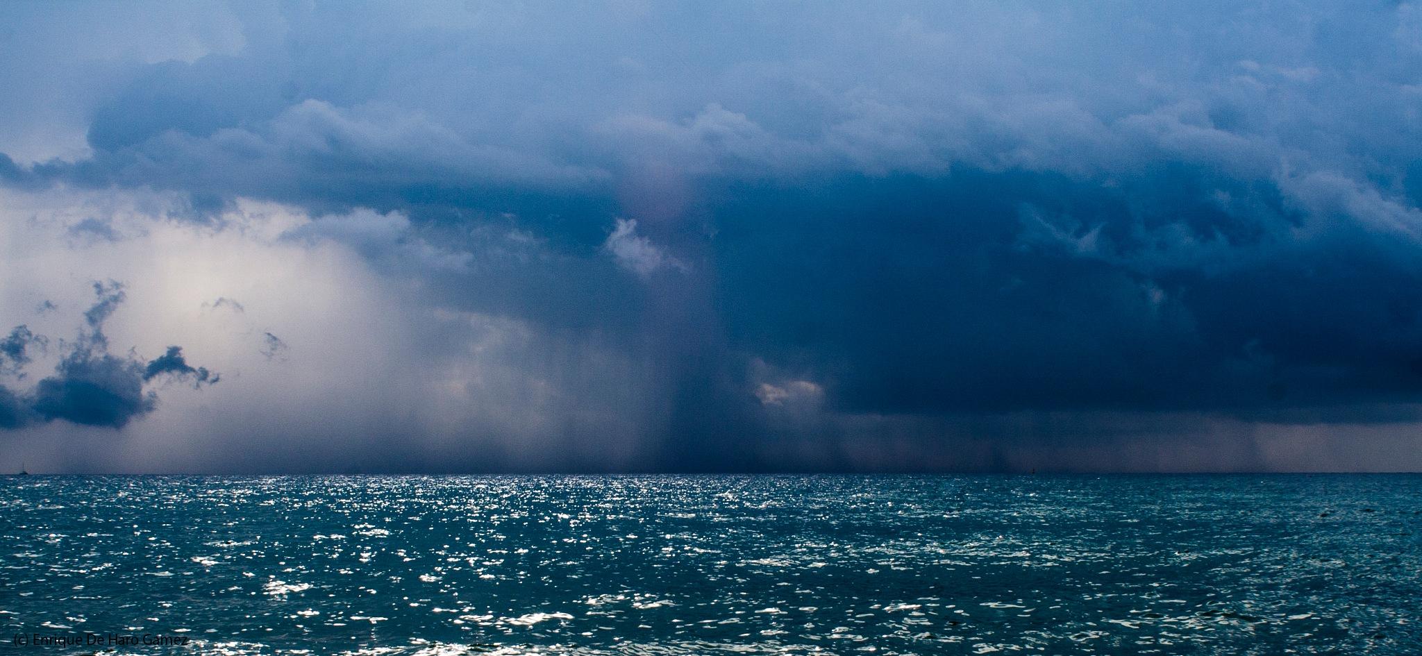 A storm of beauty (1-5) by Enrique de haro gamez