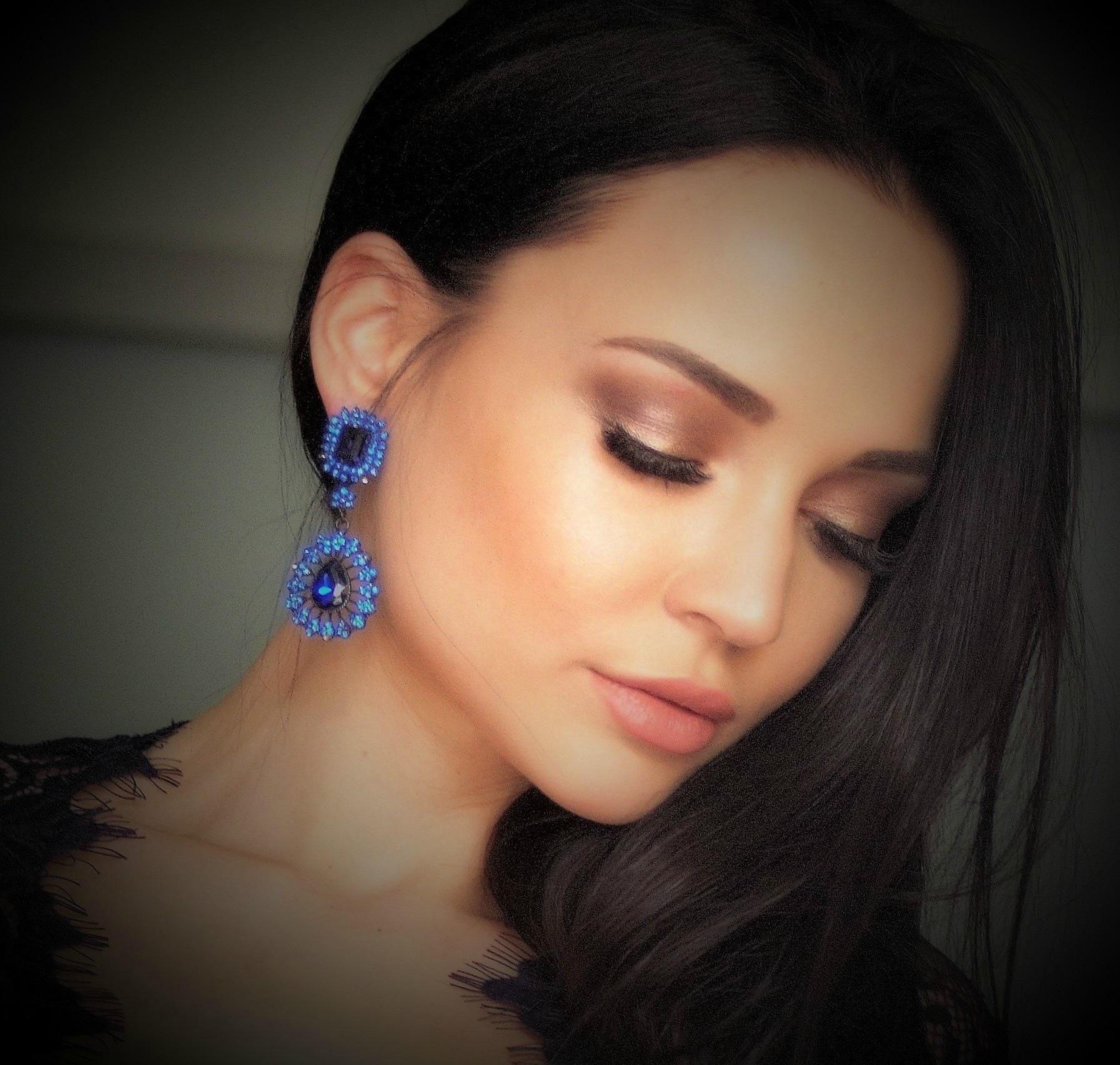 Blue earring .... by Luc Vandorpe