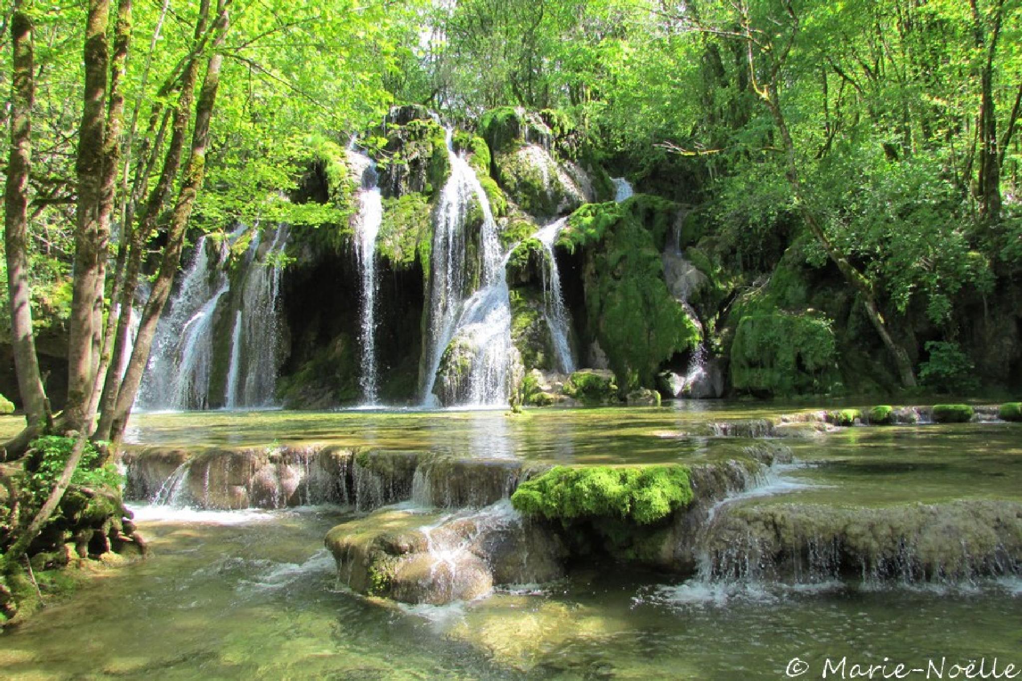 Cascade des Tufs , Jura by MarieNoelle