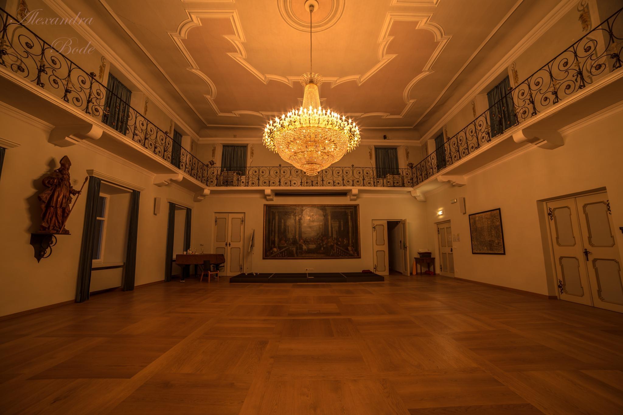 Der Raum by Alexandra Bode