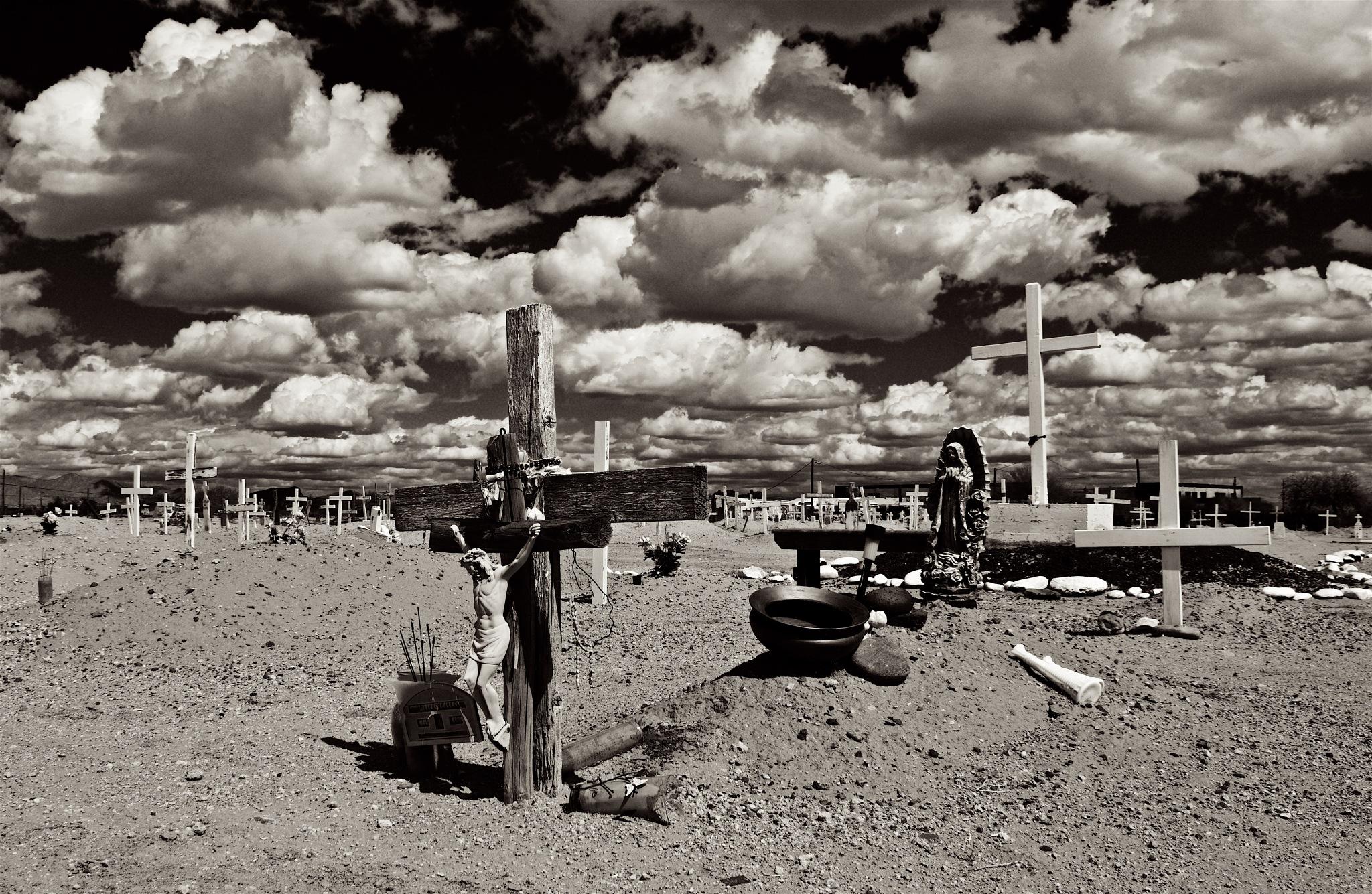 Crosses 3 by Chris Hnottavange