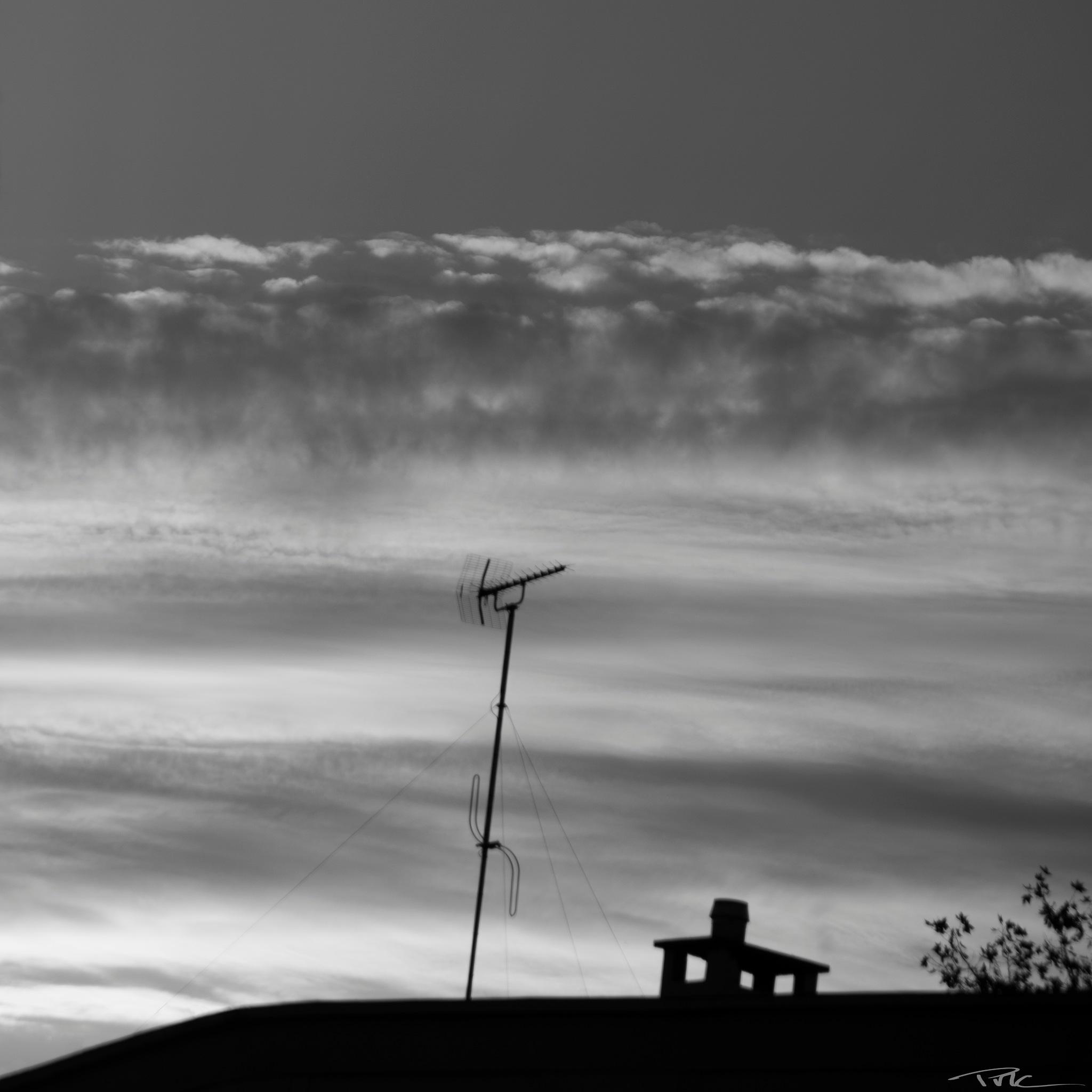 Cloudy wave by Pascal M. Cardon