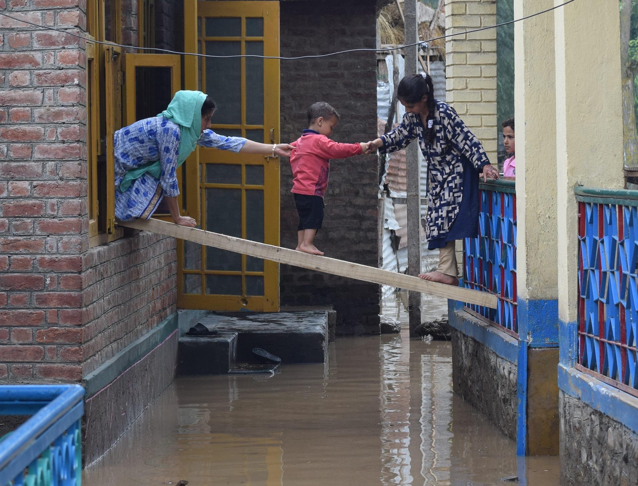 Flash floods by Basit Zargar