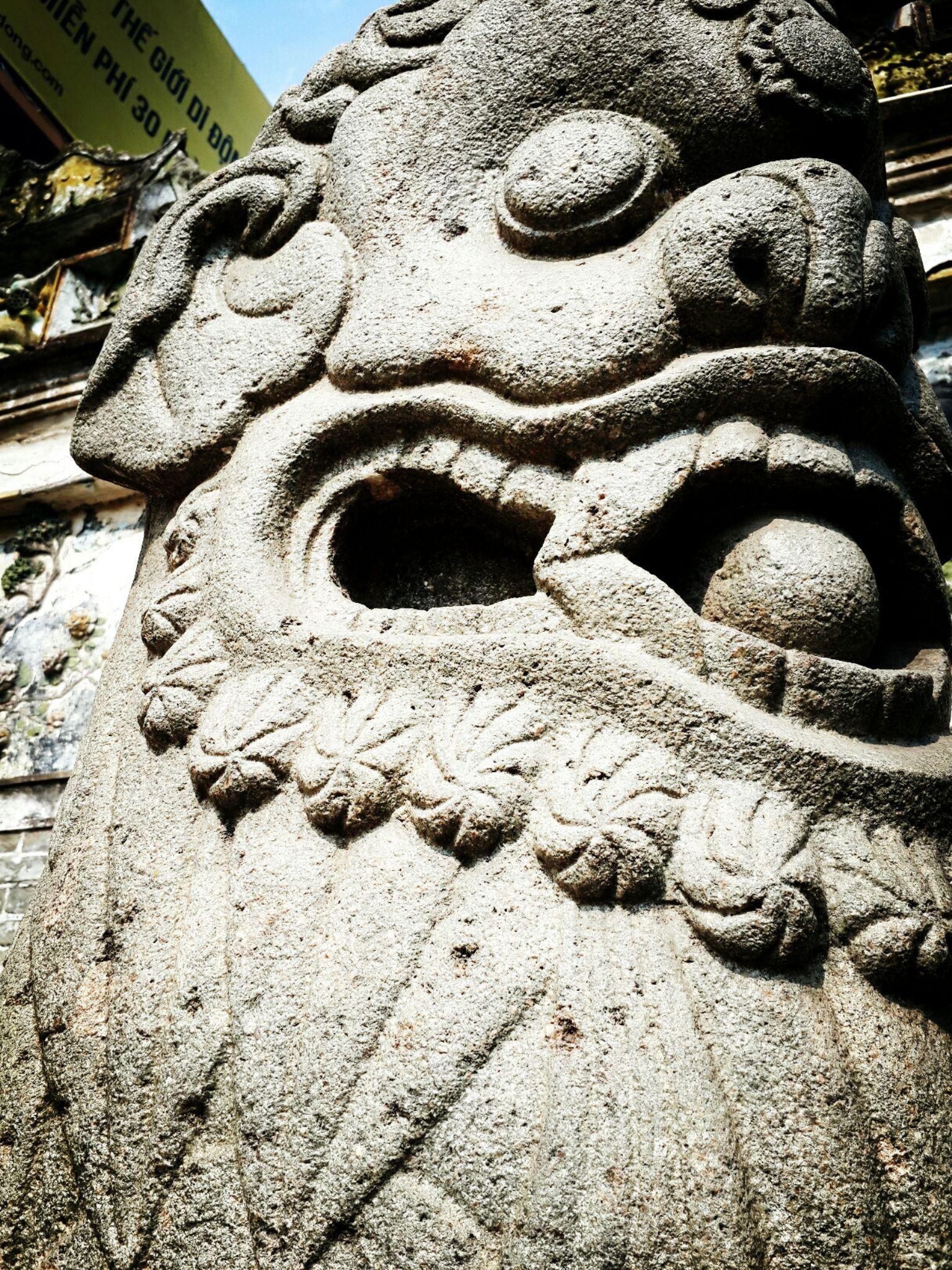 Rock Lion by XQMe