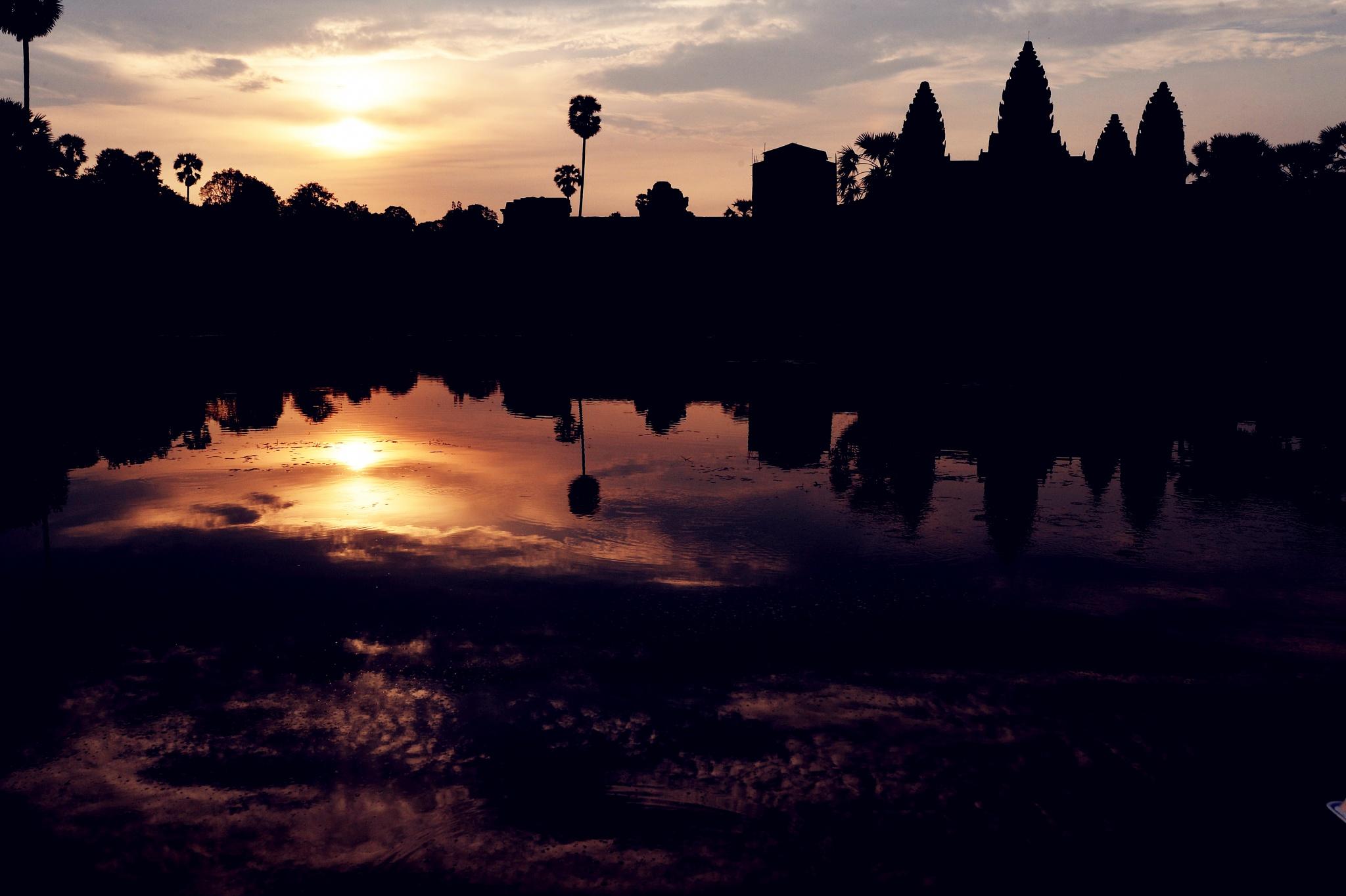 Dawn of Angkor Wat  by XQMe