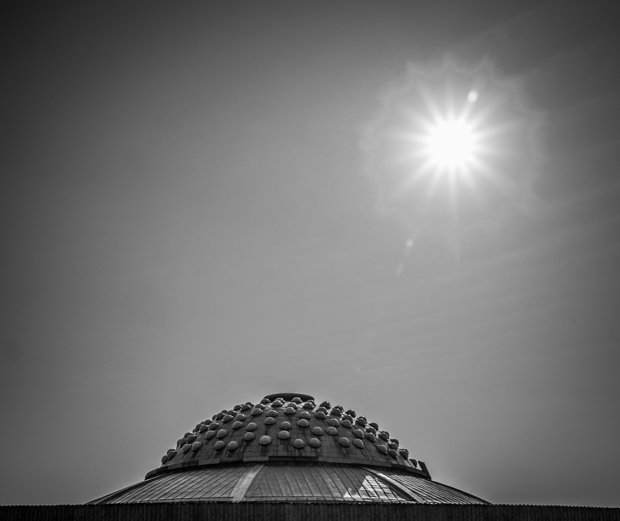 sun is falling down by Marcin Majkowski