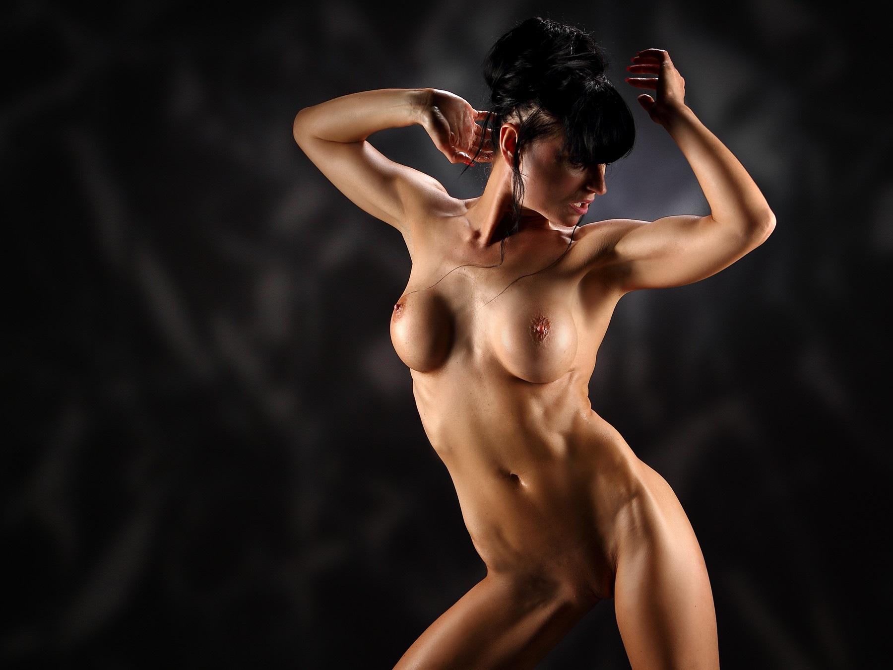 Busty girl posing nude by GuWu