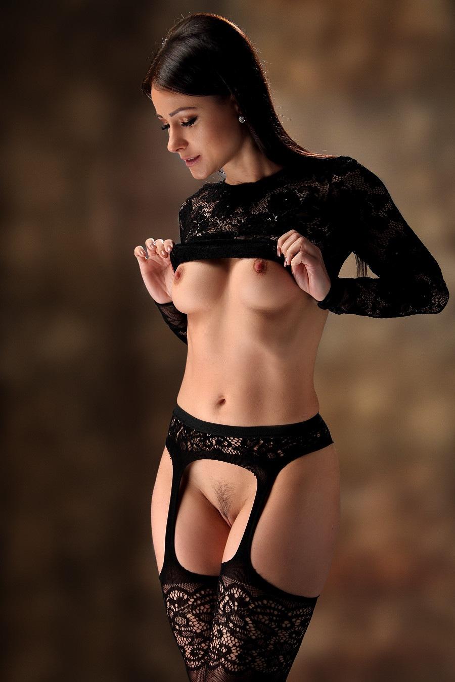 Nude in black lingerie by GuWu