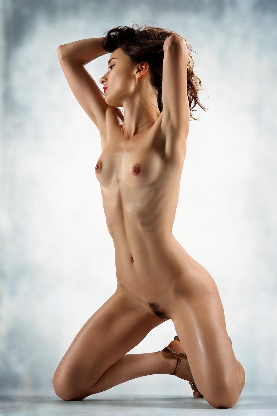 Nude girl  by GuWu