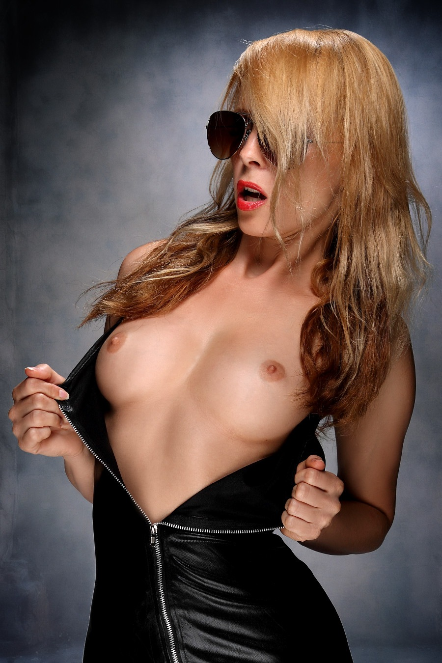 Sexy black skirt IV by GuWu