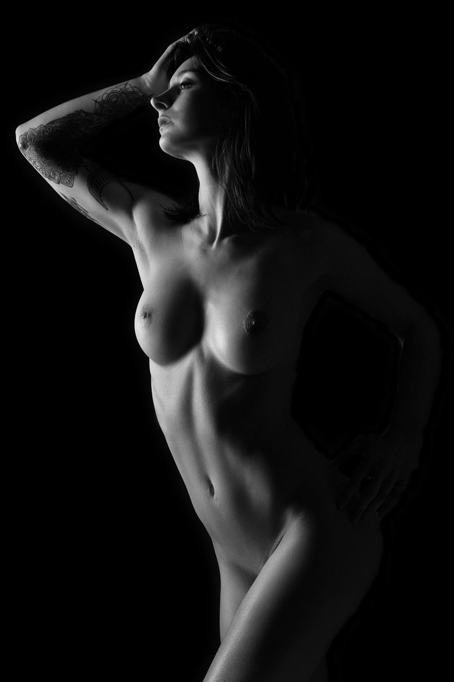 Sexy busty girl posing nude by GuWu