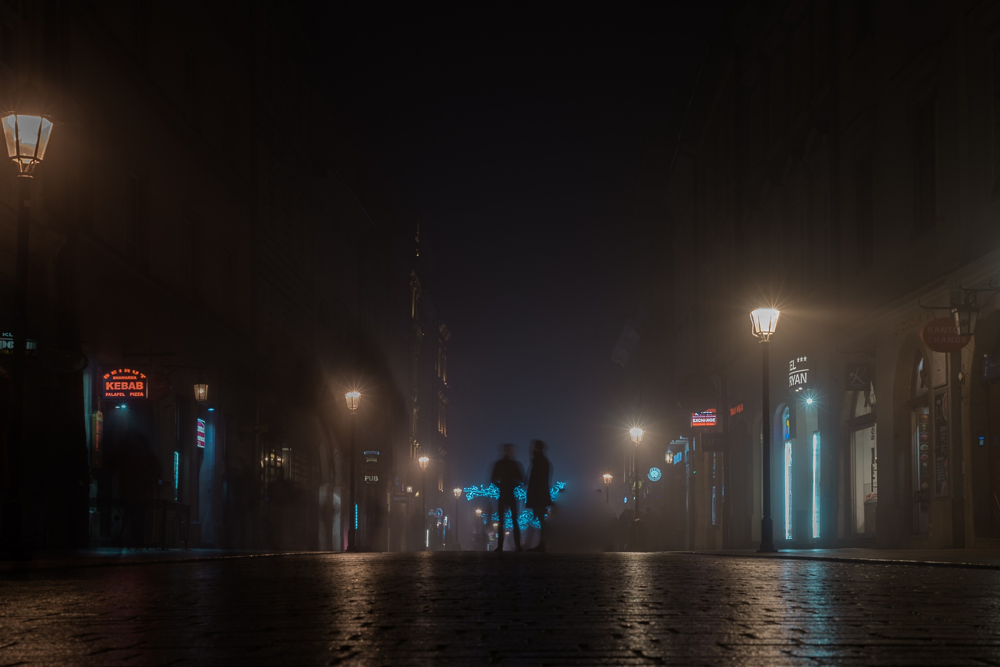Street in the night  by anto71