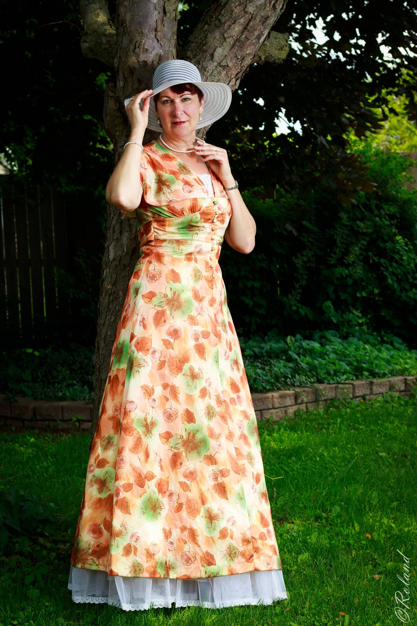 Sue in vintage dress-03 by PiettePhotography