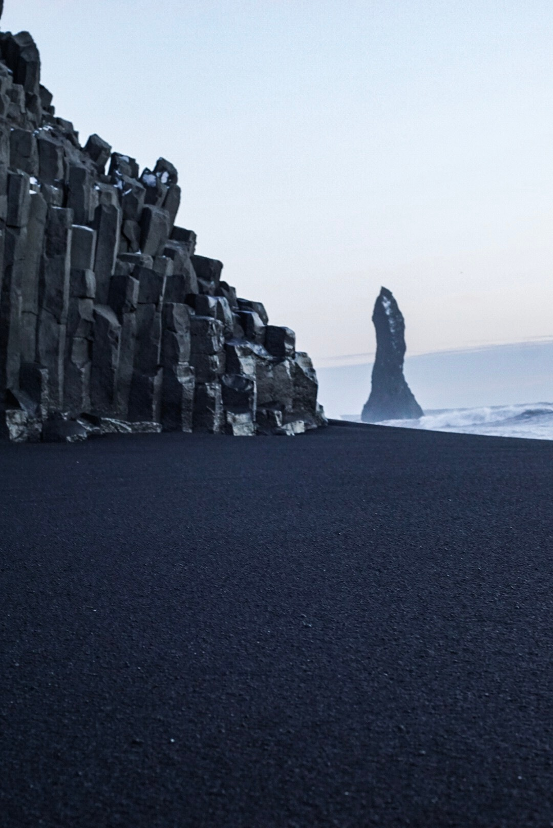 Black stone  by Kai Kuenne