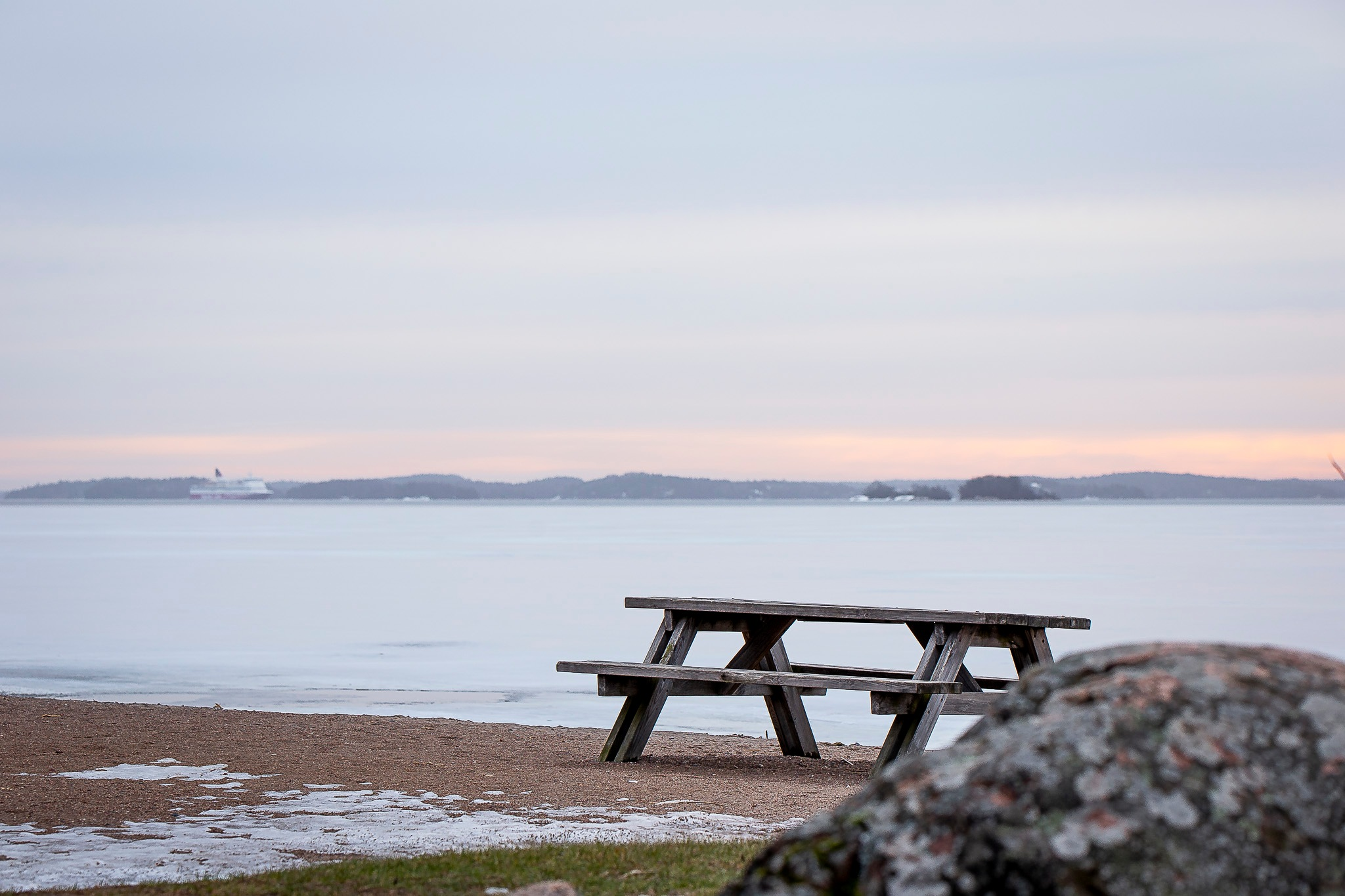 Picnic bench by Jonas Hermansson