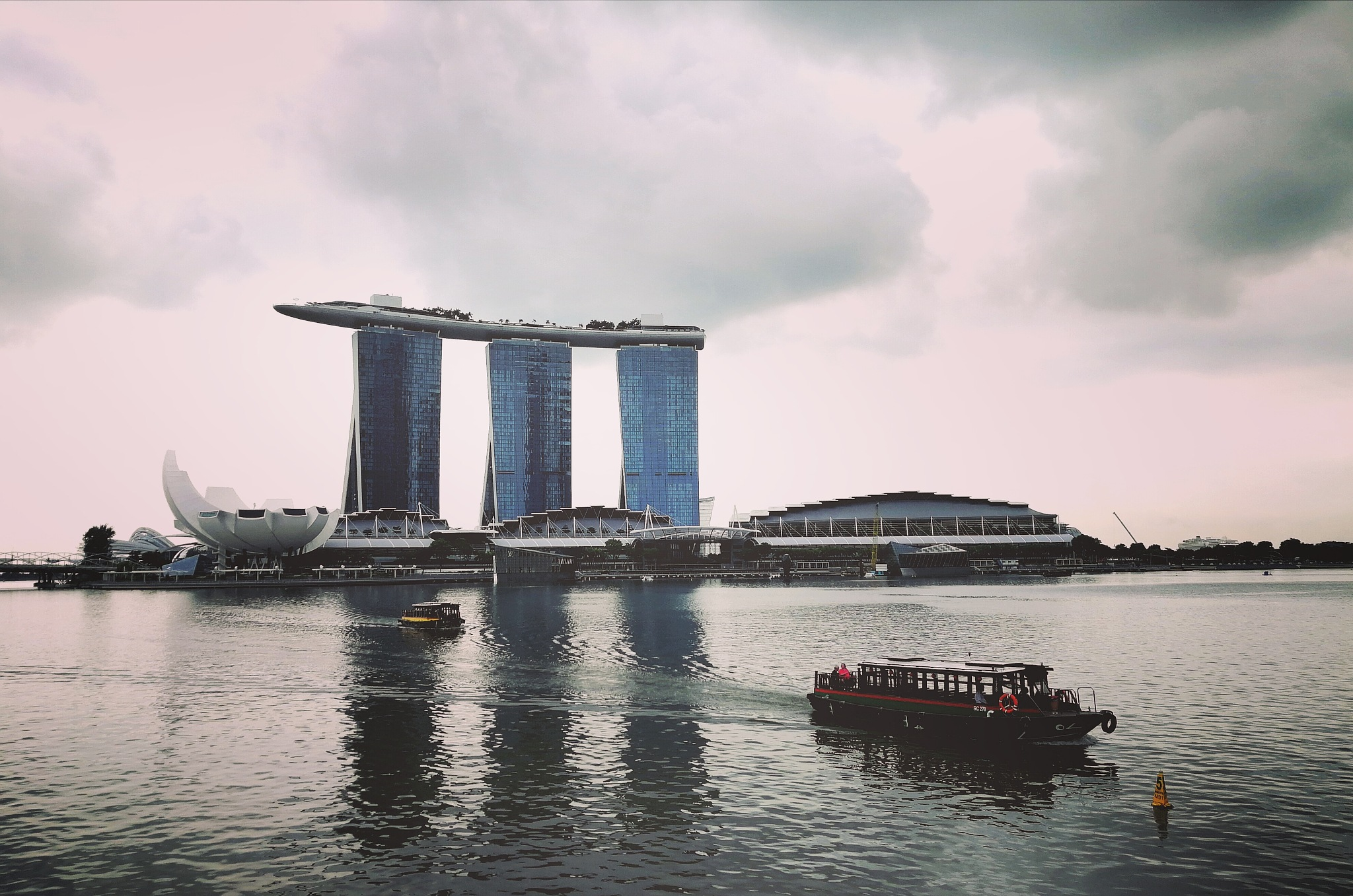 Marina Bay sands @ Singapore by Angella