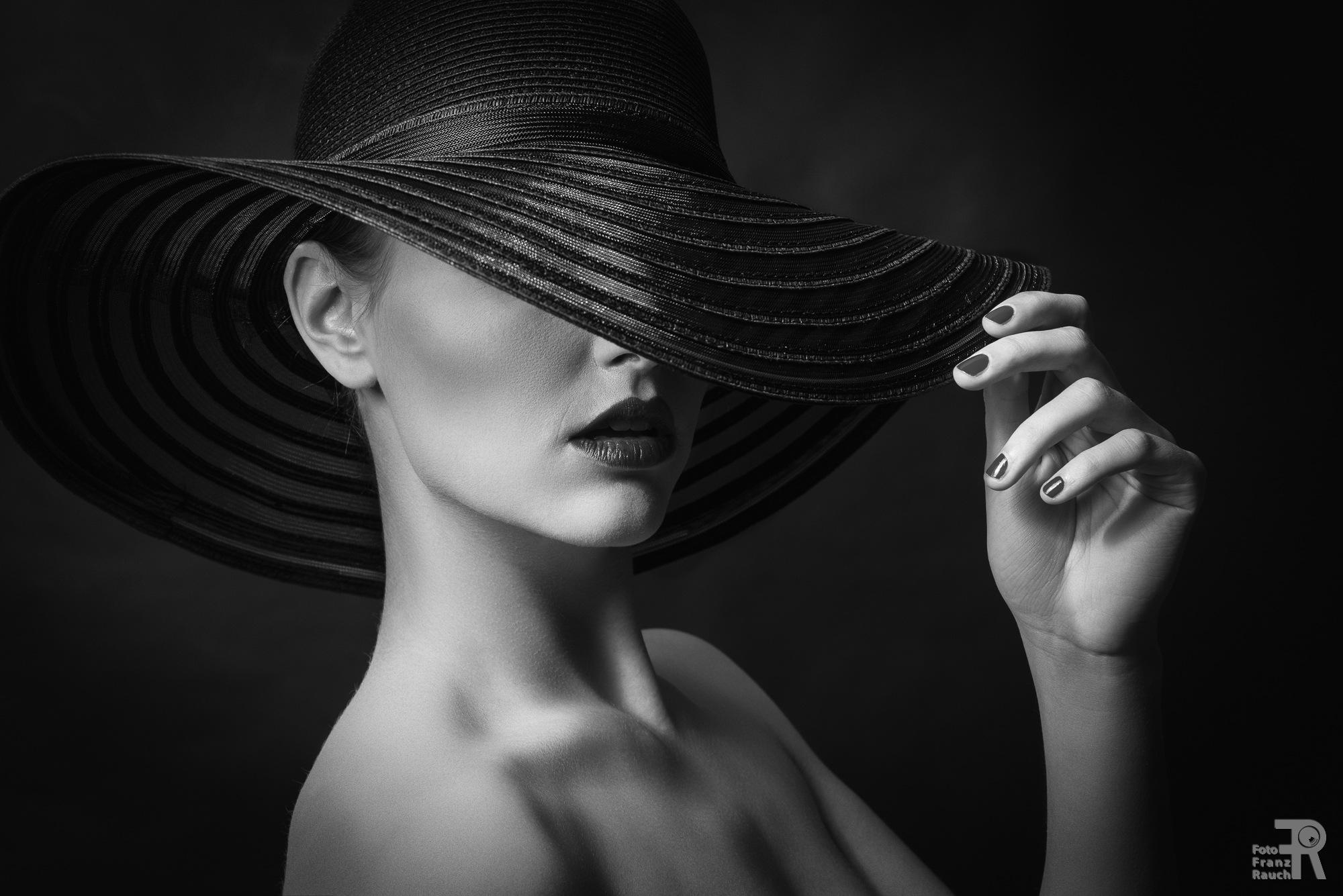 beauty in black II by Foto Franz Rauch