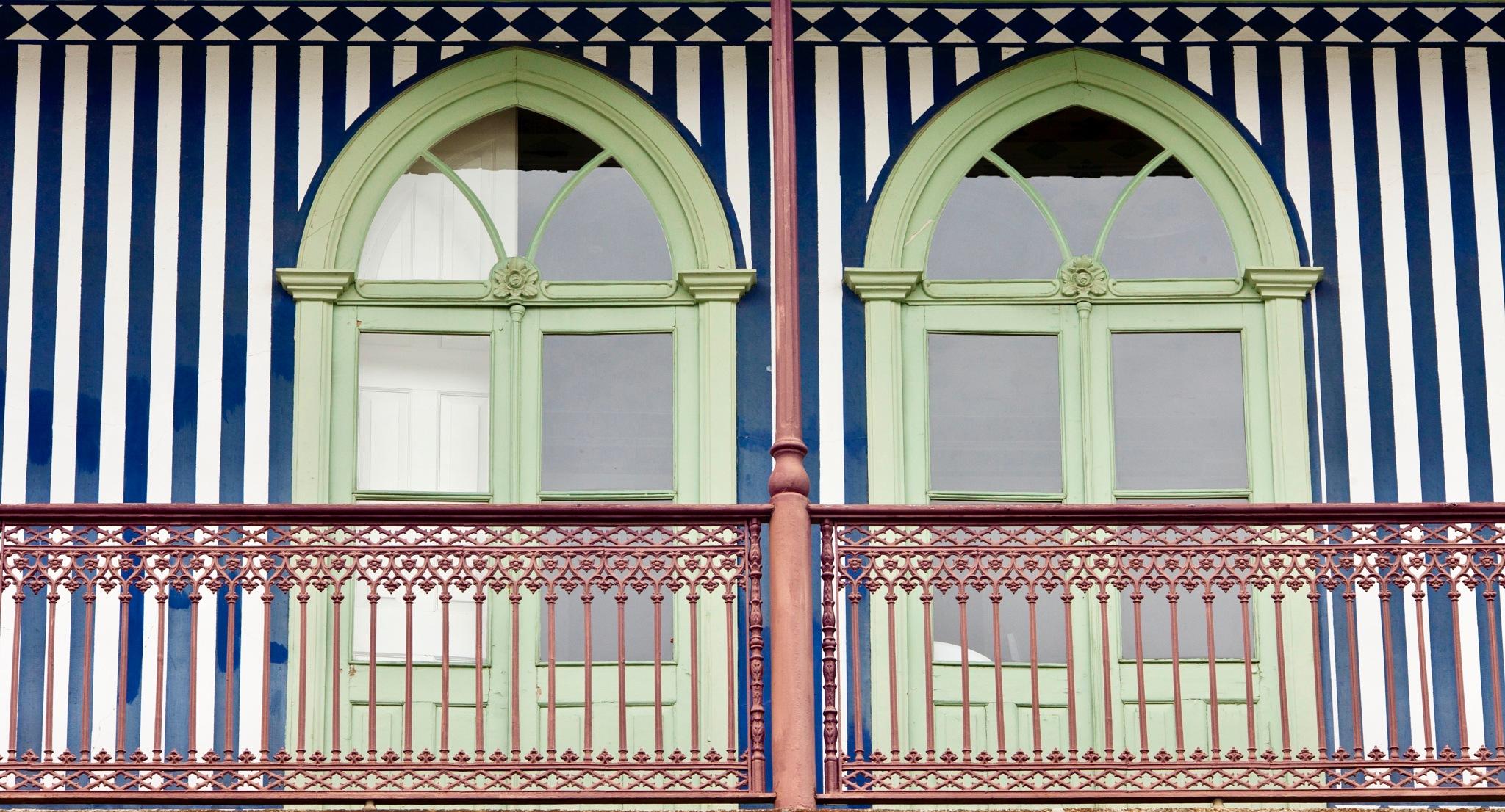 Windows by Francisco Sá da Bandeira