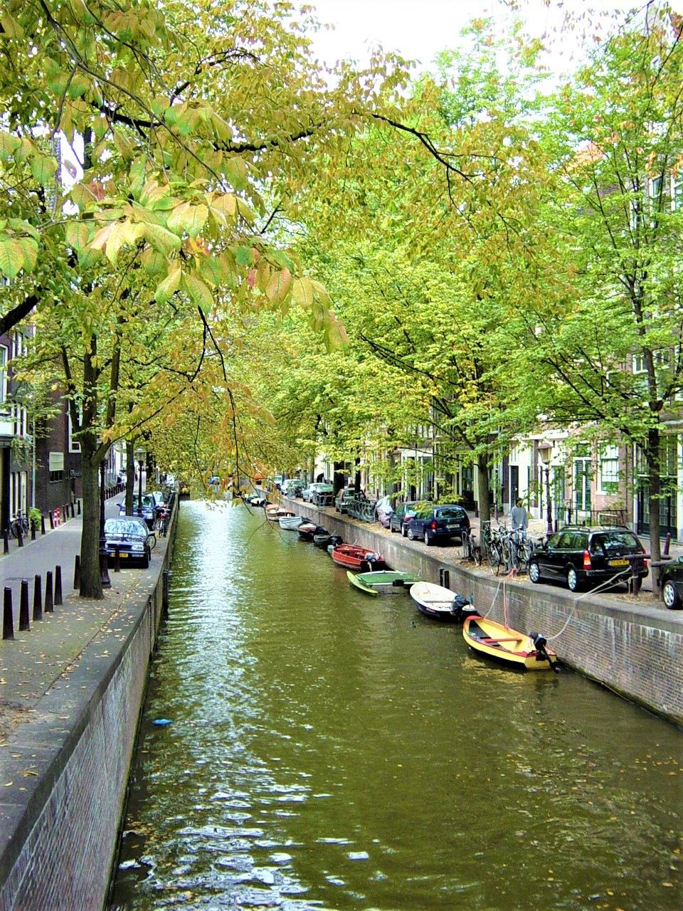 Amsterdam 02 by Murat Erkman
