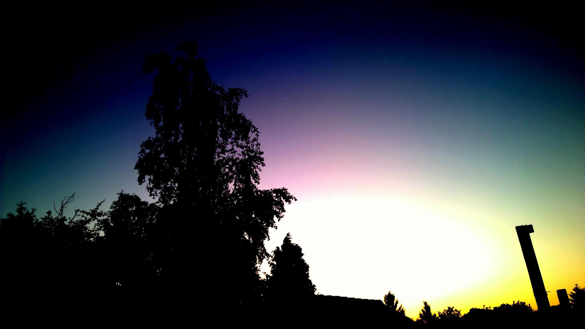 rainbow night by Lou Veen