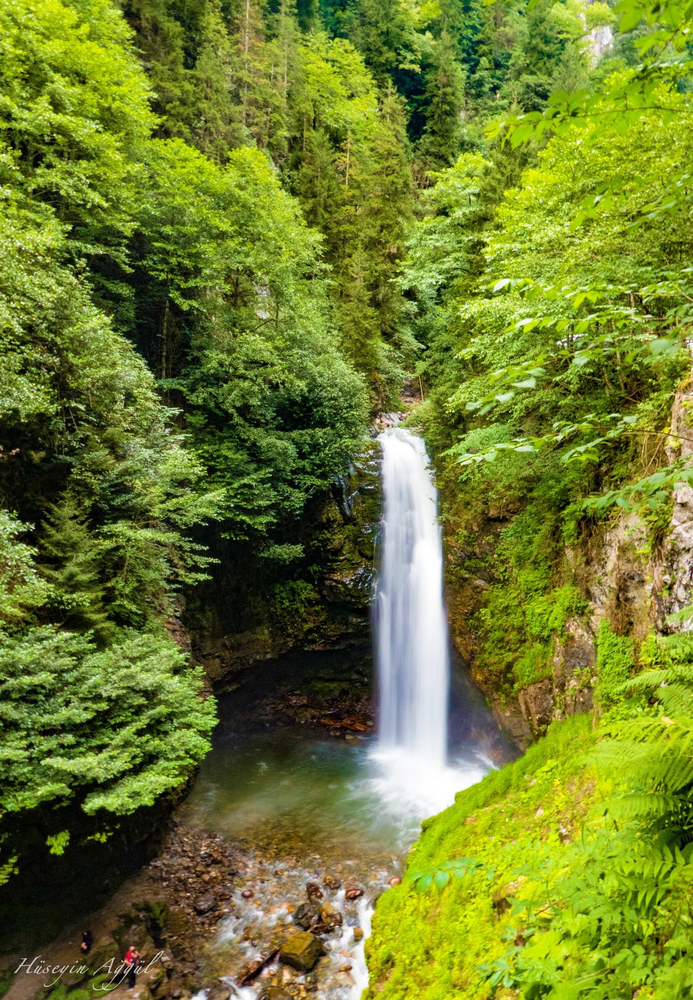waterfall by Hüseyin Ağgül