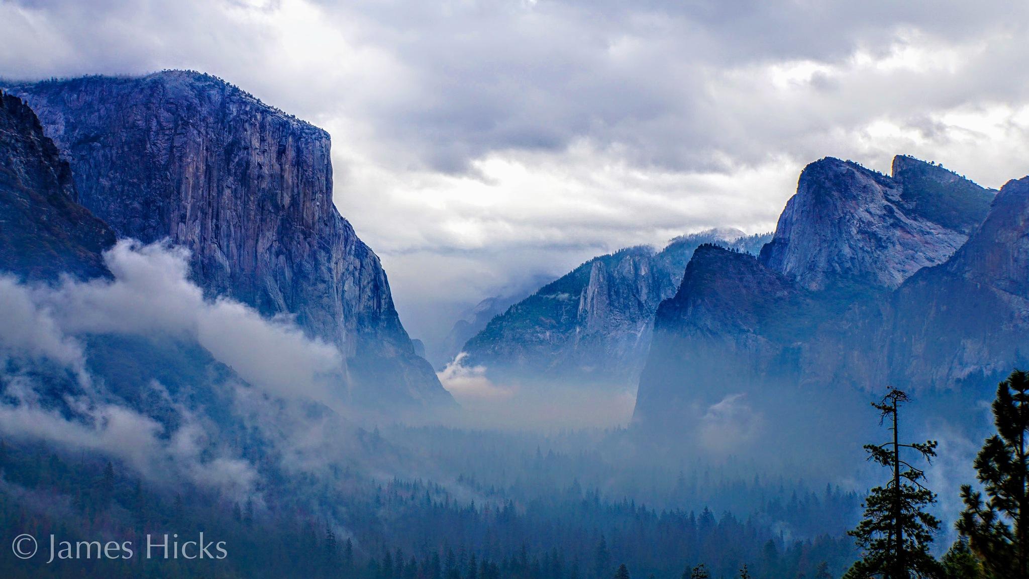 Yosemite Valley by James Hicks