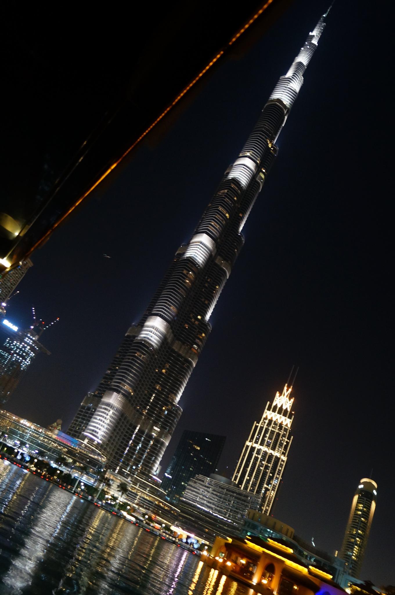 Burj Khalifa by Priyam Padiya