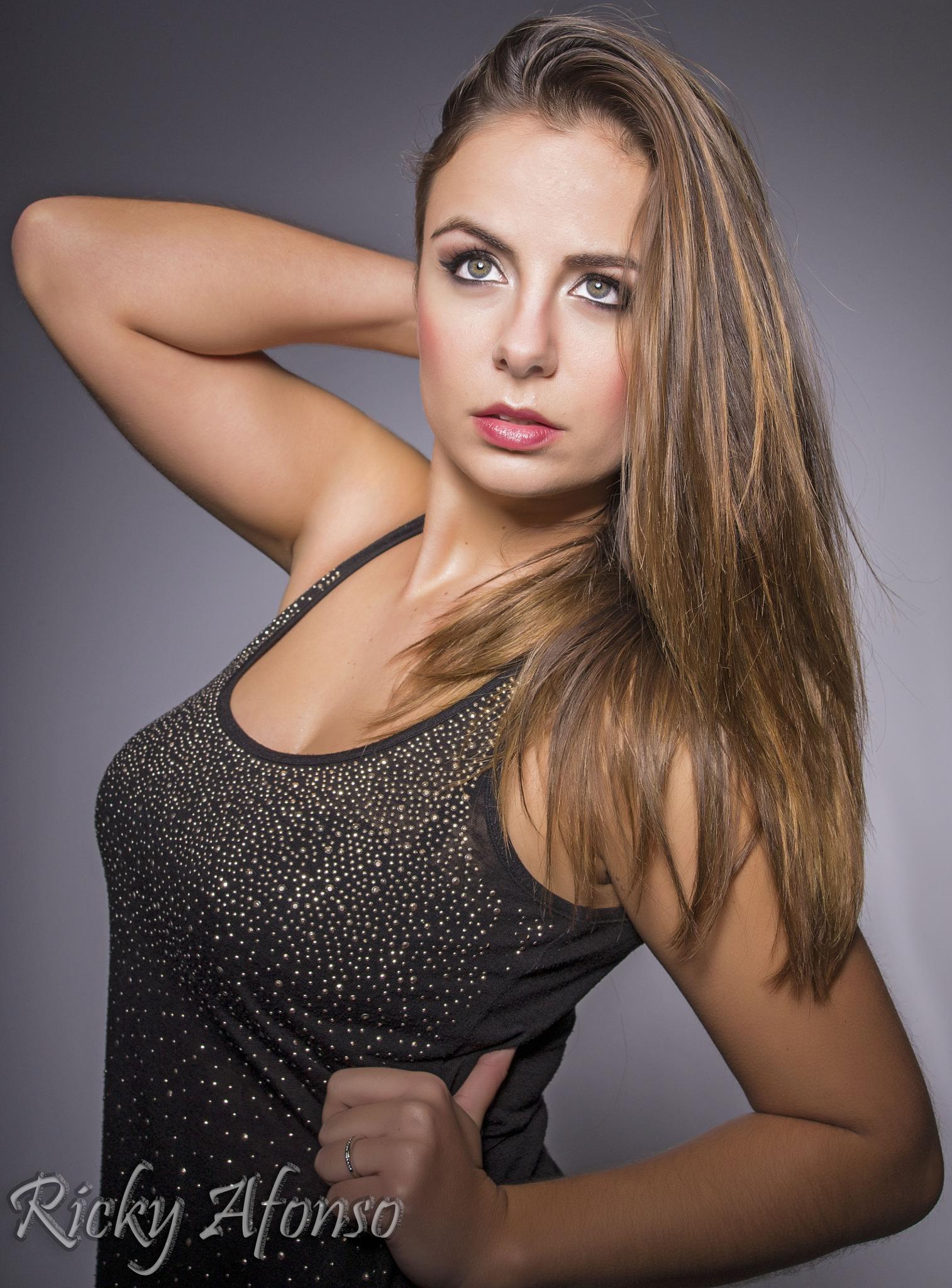 Jacqueline Fernandes by Ricky Afonso