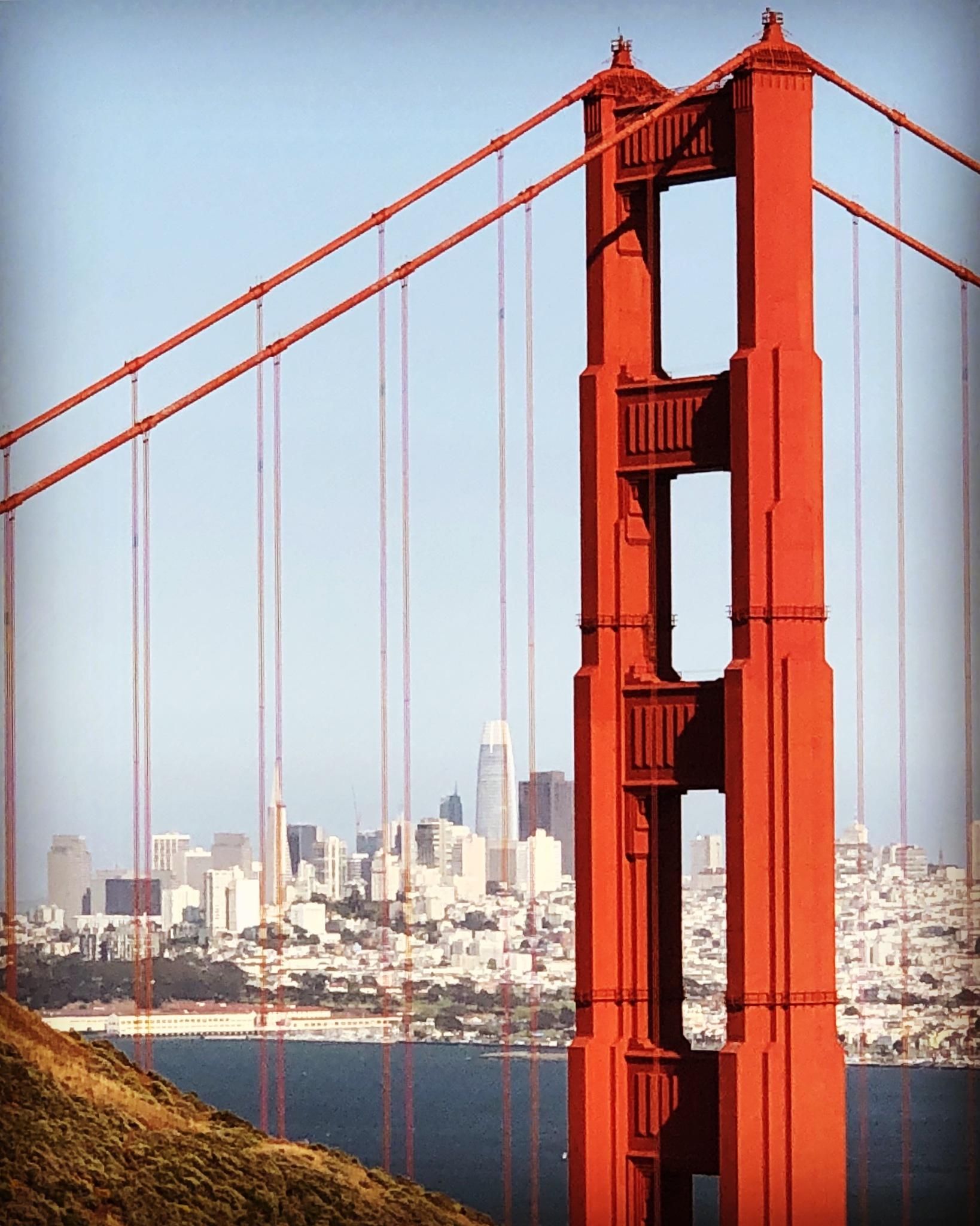 The Golden Gate Bridge by Lorenzo
